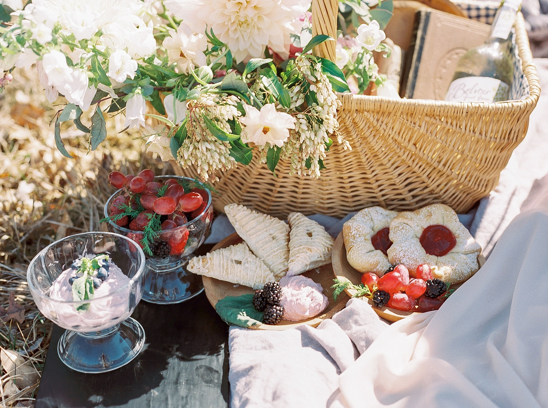 Late Fall Farm-to-table Inspired Brunch Picnic Engagement Session During Wedding Weekend by Kelsi Kliethermes Photography Best Missouri and Maui Wedding Photographer_0004.jpg