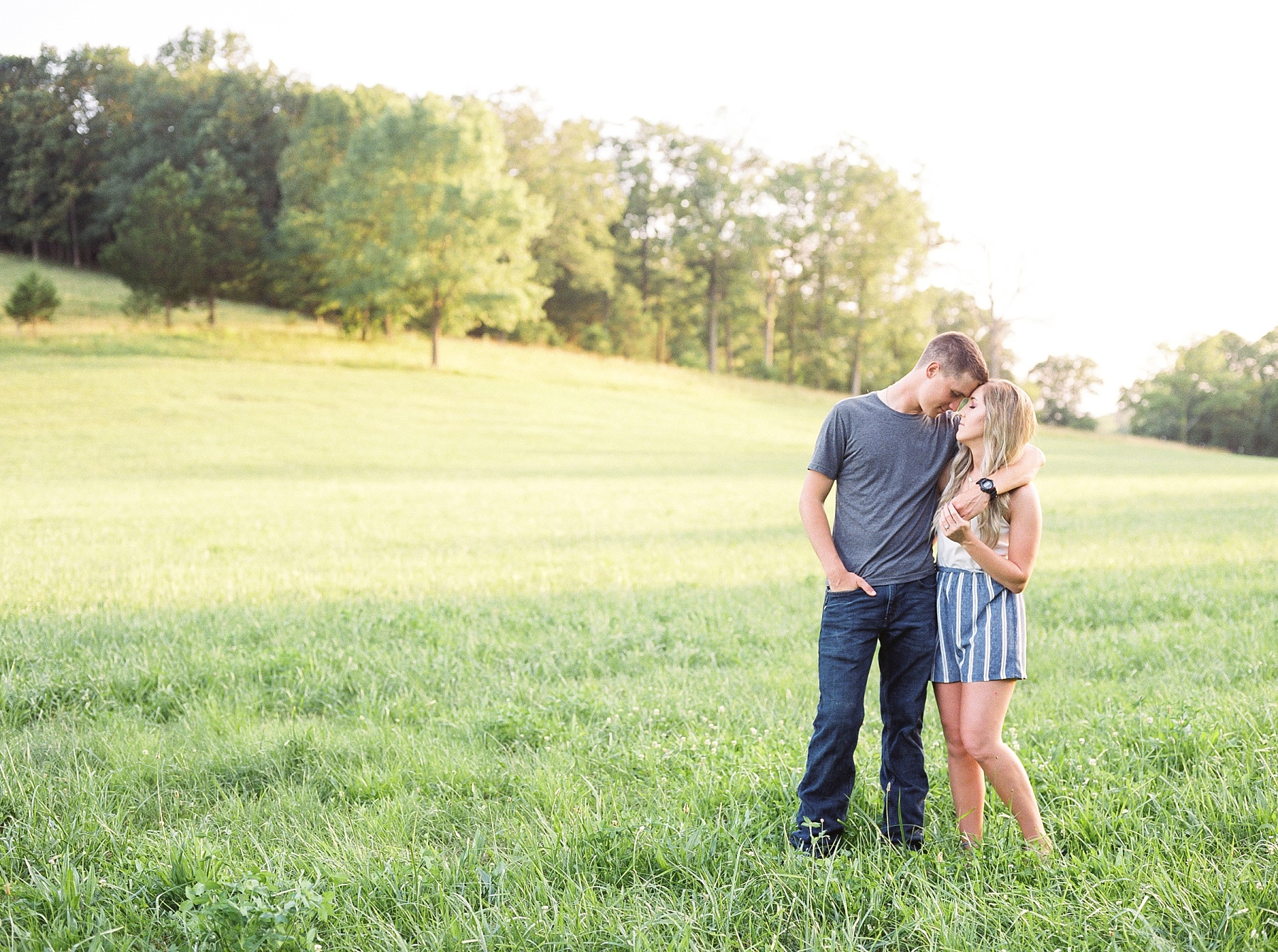 Golden Hour Summer Engagement Session at Lakeside Valley and Vineyards at Kempkers Back 40 by Kelsi Kliethermes Photography Best Missouri and Maui Wedding Photographer_0001.jpg