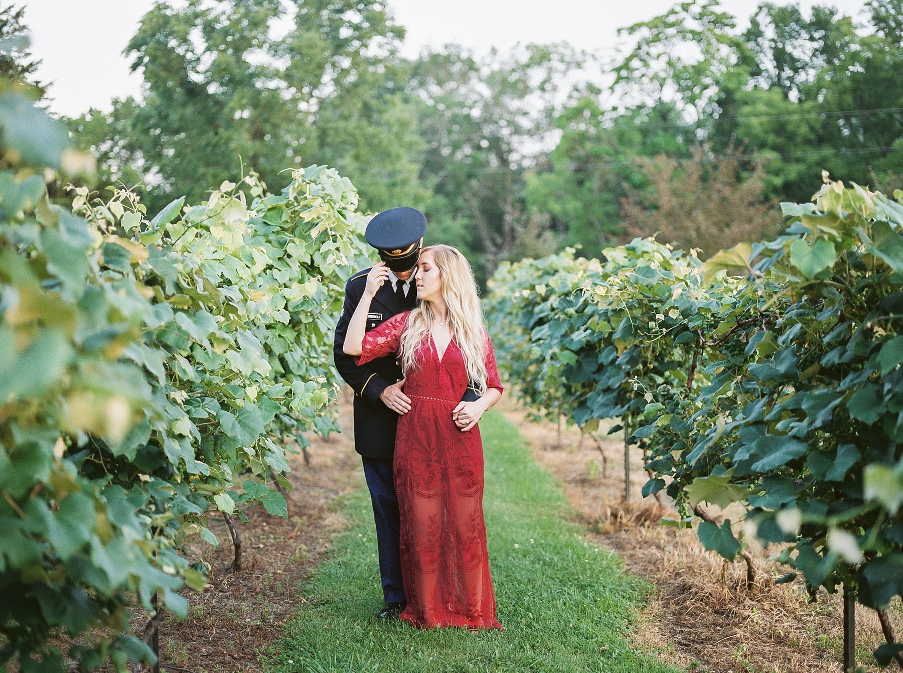Golden Hour Summer Engagement Session at Lakeside Valley and Vineyards at Kempkers Back 40 by Kelsi Kliethermes Photography Best Missouri and Maui Wedding Photographer_0004.jpg