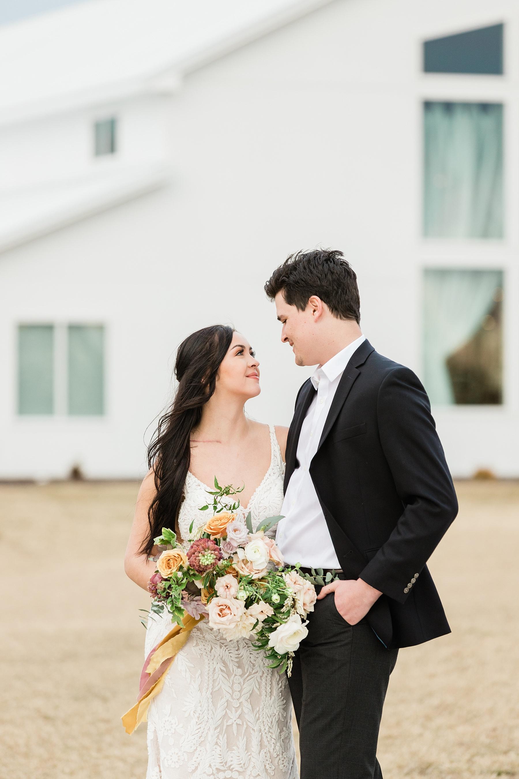 Associate Wedding Photographer Kiley by Kelsi Kliethermes Photography Best Missouri and Maui Wedding Photographer_0011.jpg