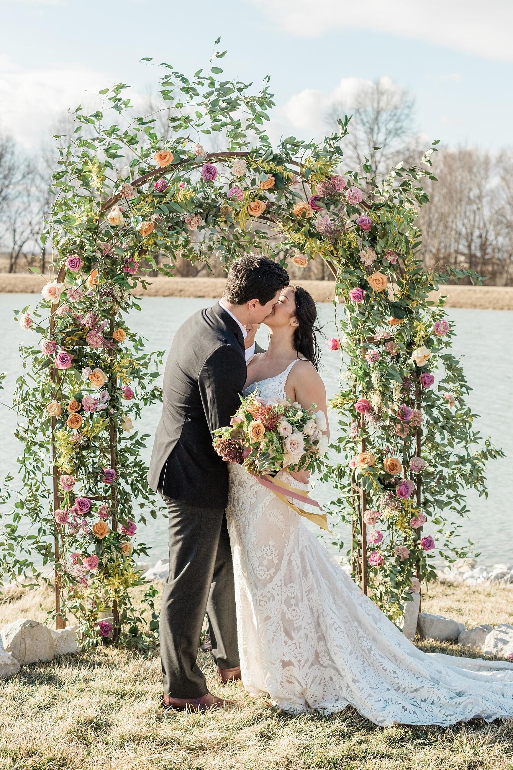 Associate Wedding Photographer Kiley by Kelsi Kliethermes Photography Best Missouri and Maui Wedding Photographer_0008.jpg