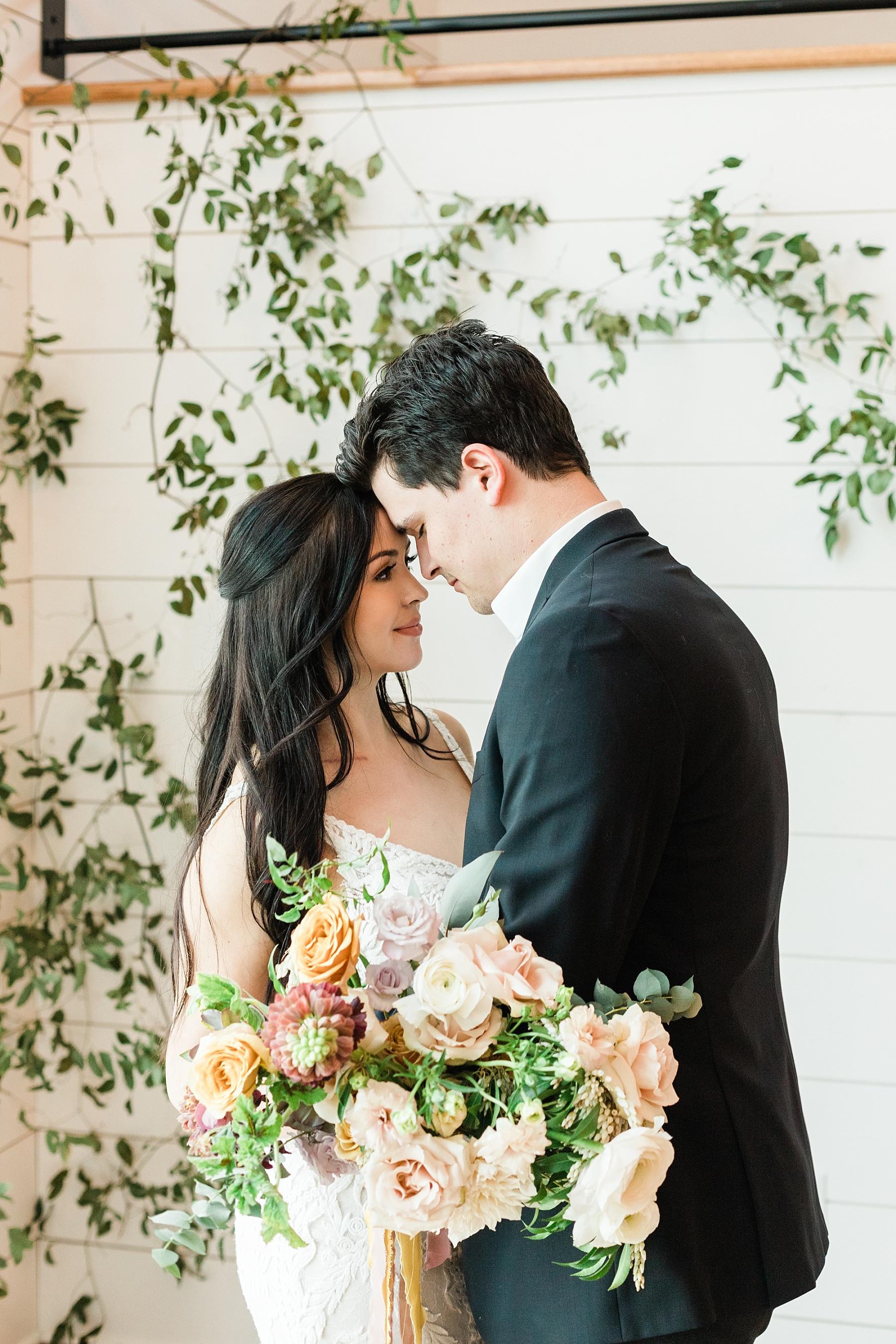Associate Wedding Photographer Kiley by Kelsi Kliethermes Photography Best Missouri and Maui Wedding Photographer_0009.jpg