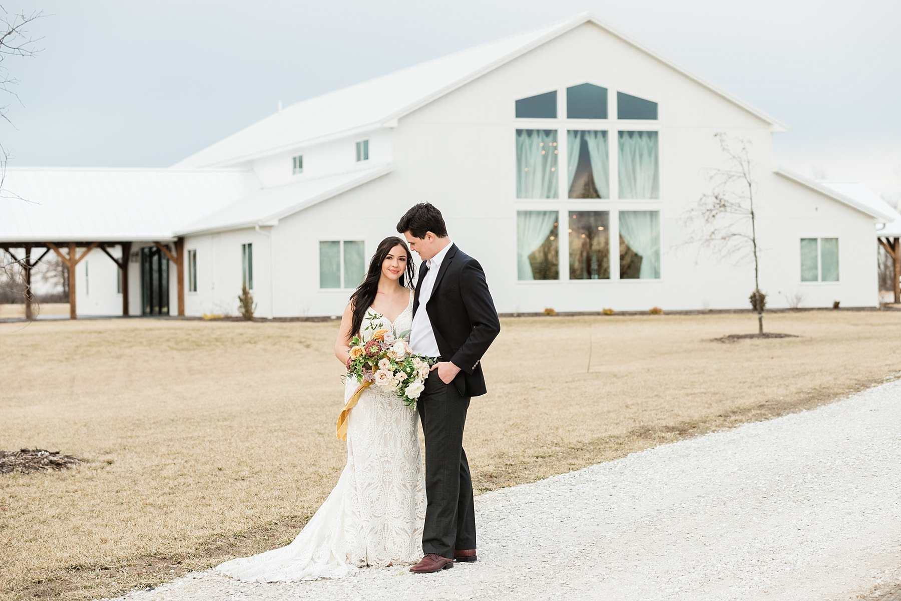 Associate Wedding Photographer Kiley by Kelsi Kliethermes Photography Best Missouri and Maui Wedding Photographer_0010.jpg