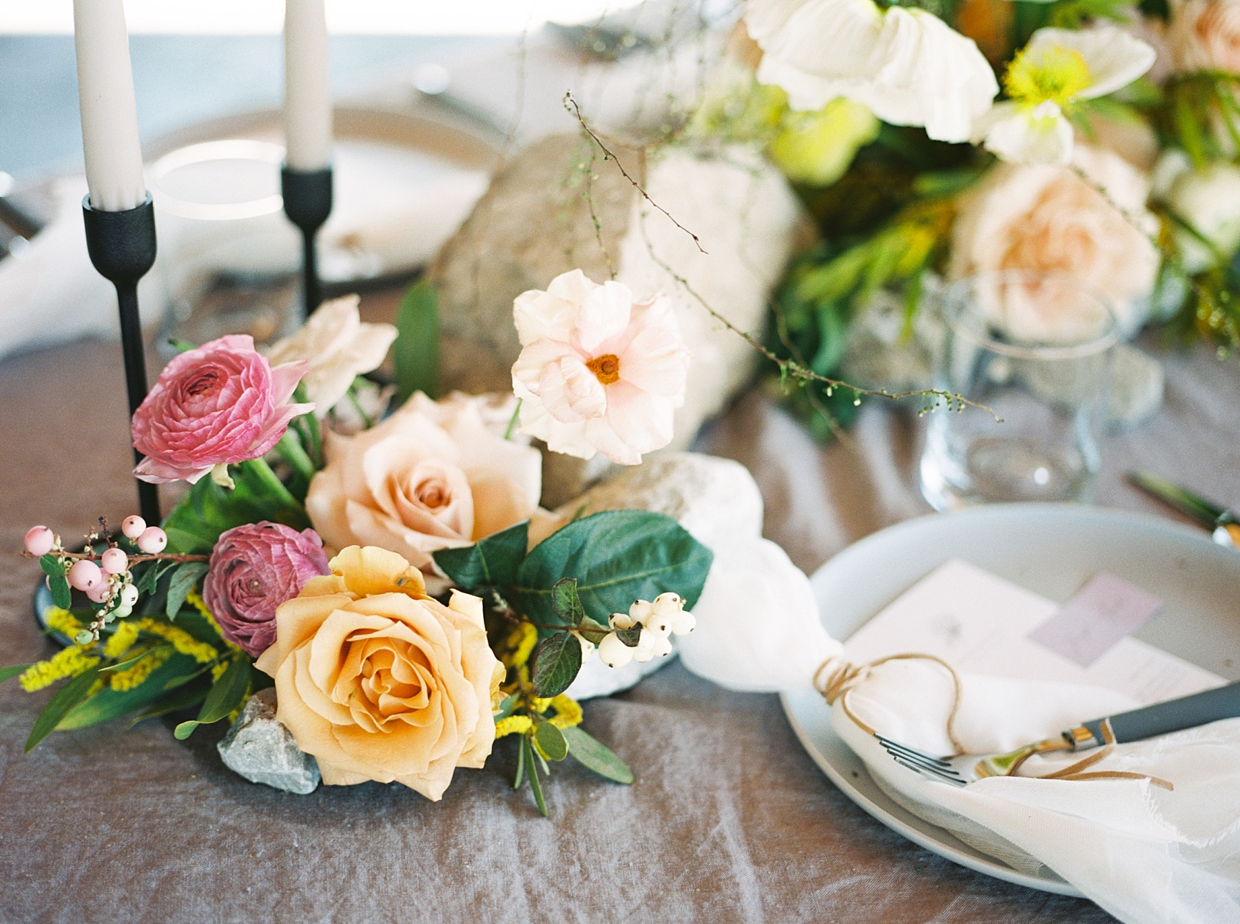 Lakeside Sunset Wedding with Magnificent Abundance of Blooms at Emerson Fields by Kelsi Kliethermes Photography Best Missouri and Maui Wedding Photographer_0005.jpg