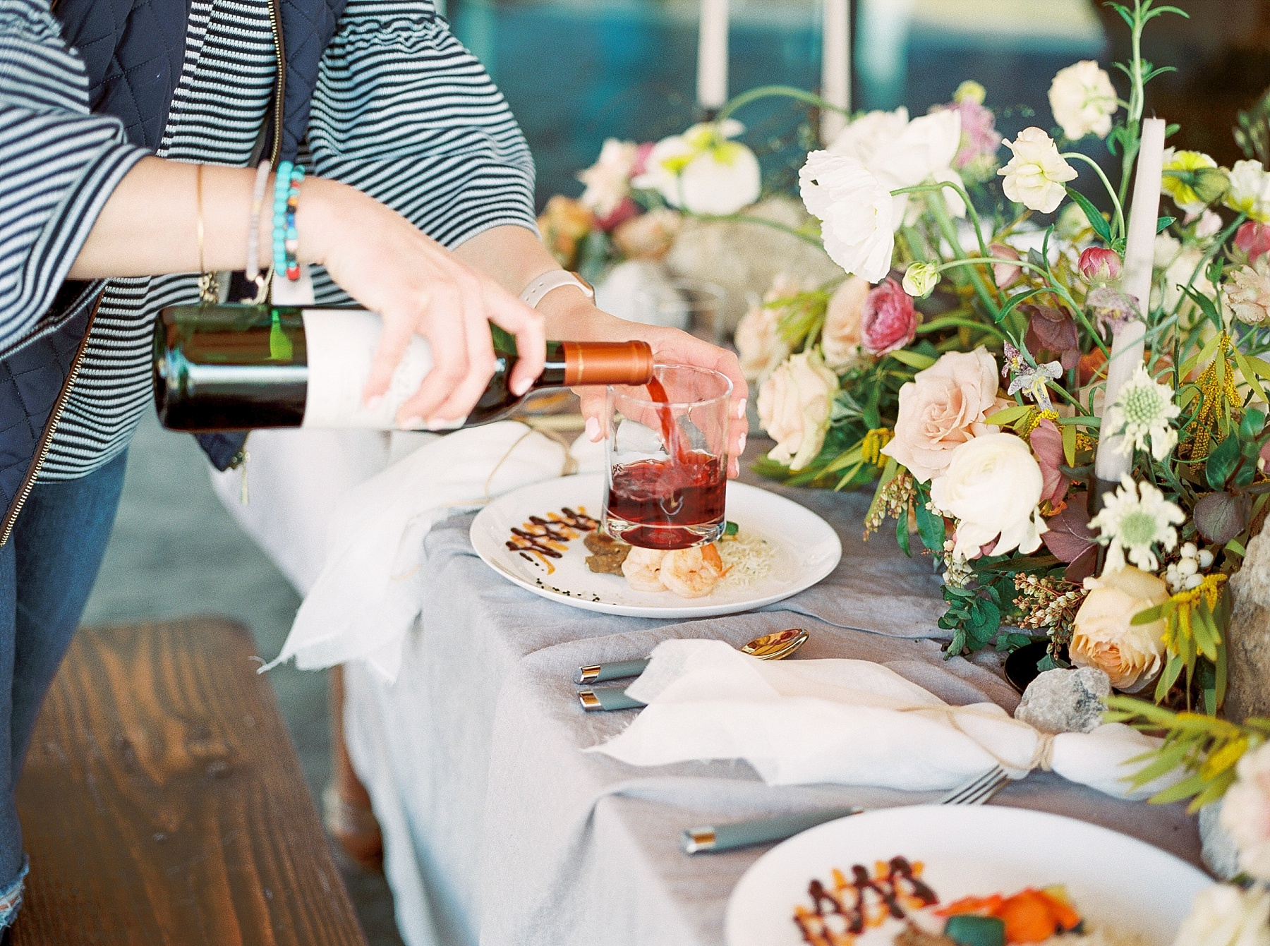 Lakeside Sunset Wedding with Magnificent Abundance of Blooms at Emerson Fields by Kelsi Kliethermes Photography Best Missouri and Maui Wedding Photographer_0006.jpg