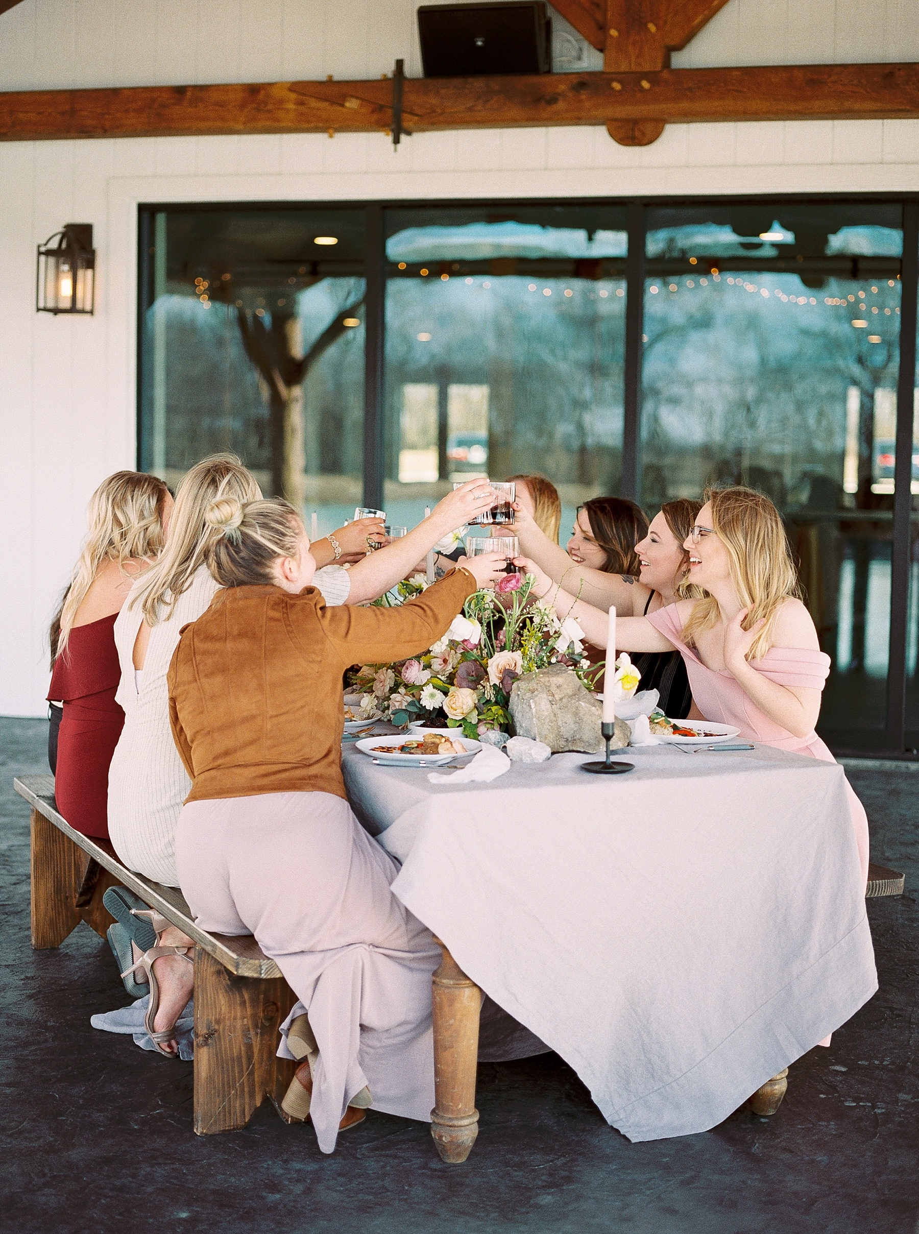 Lakeside Sunset Wedding with Magnificent Abundance of Blooms at Emerson Fields by Kelsi Kliethermes Photography Best Missouri and Maui Wedding Photographer_0020.jpg