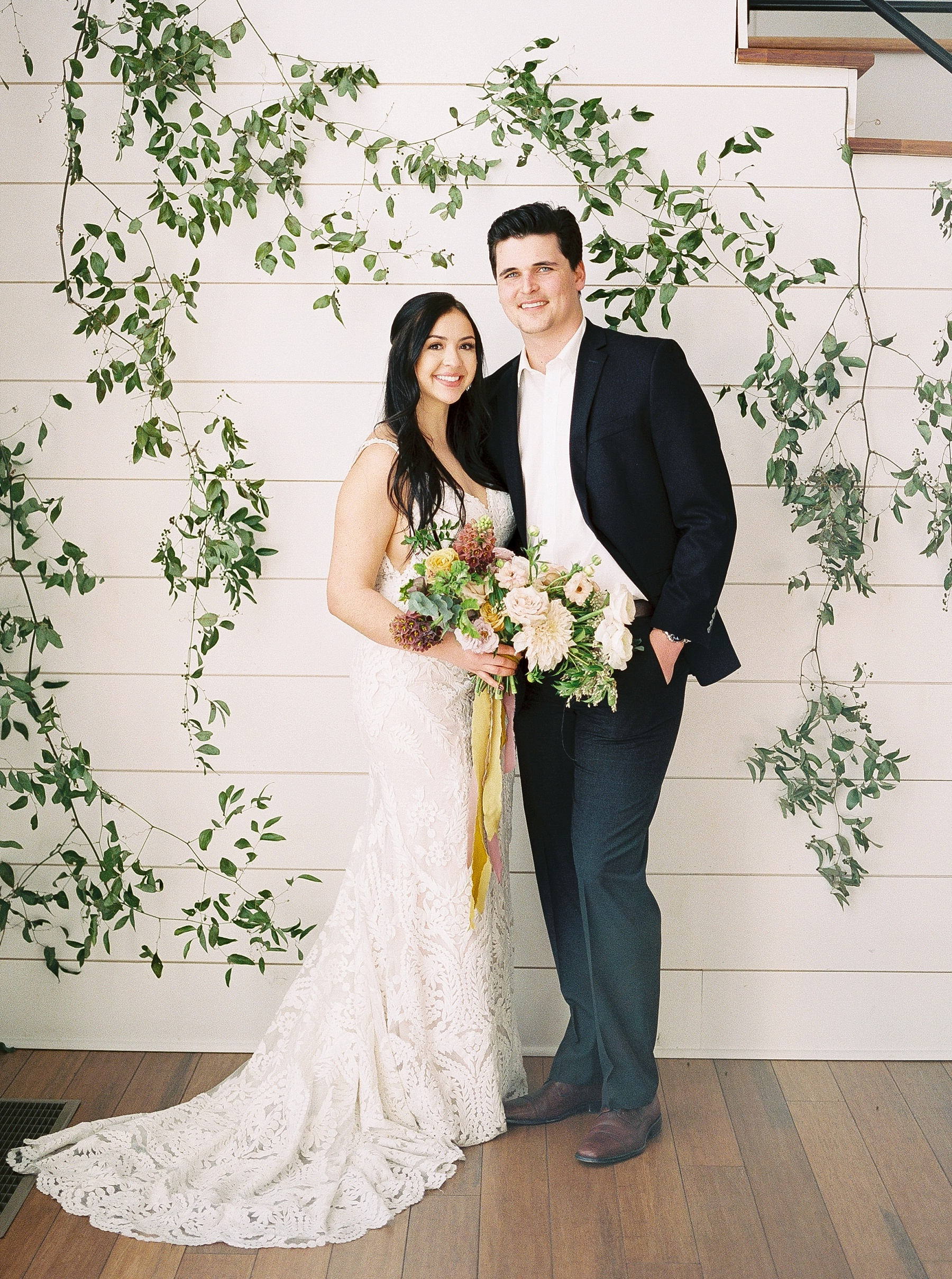 Lakeside Sunset Wedding with Magnificent Abundance of Blooms at Emerson Fields by Kelsi Kliethermes Photography Best Missouri and Maui Wedding Photographer_0022.jpg