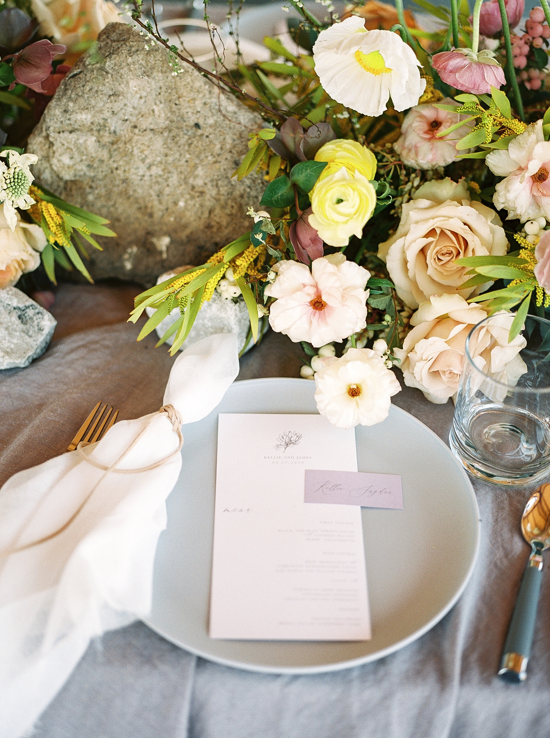 Lakeside Sunset Wedding with Magnificent Abundance of Blooms at Emerson Fields by Kelsi Kliethermes Photography Best Missouri and Maui Wedding Photographer_0038.jpg