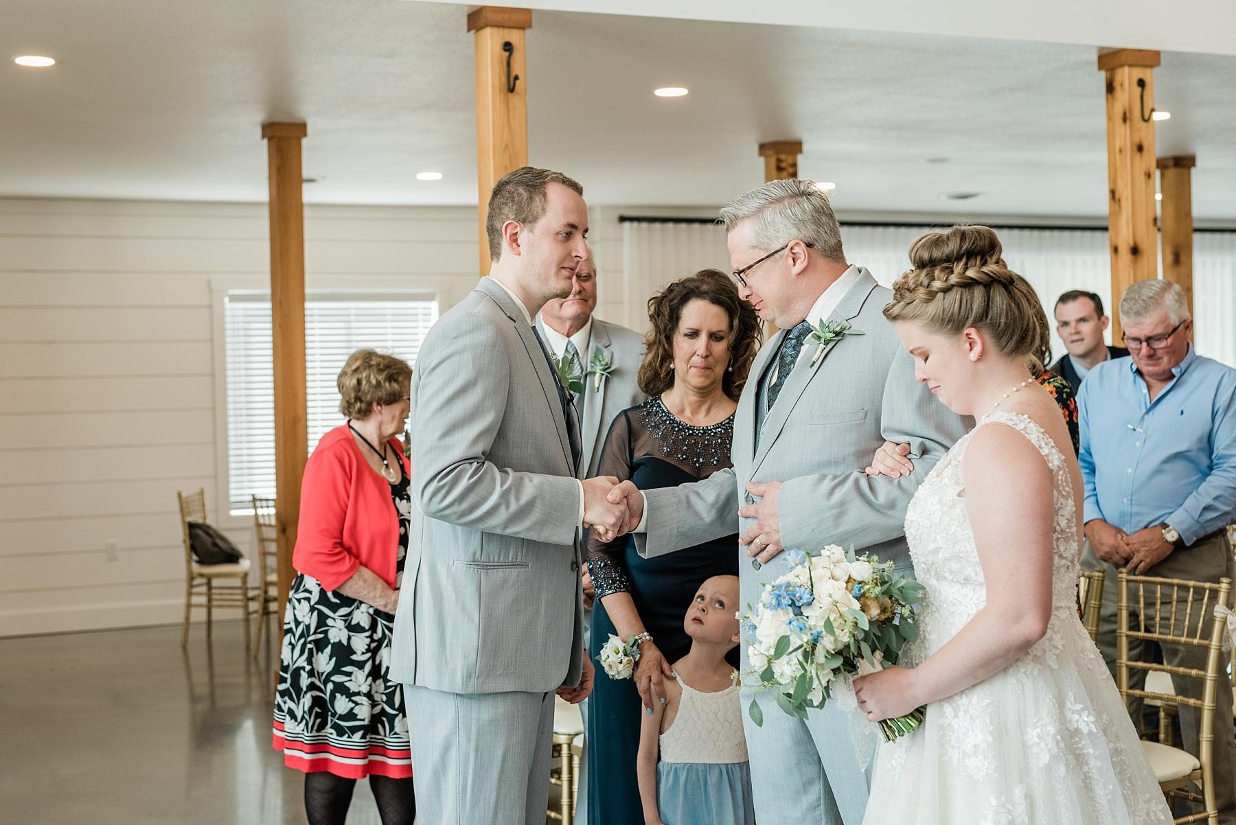 Intimate Summer Wedding at Emerson Fields by Kelsi Kliethermes Photography Best Missouri and Maui Wedding Photographer_0004.jpg