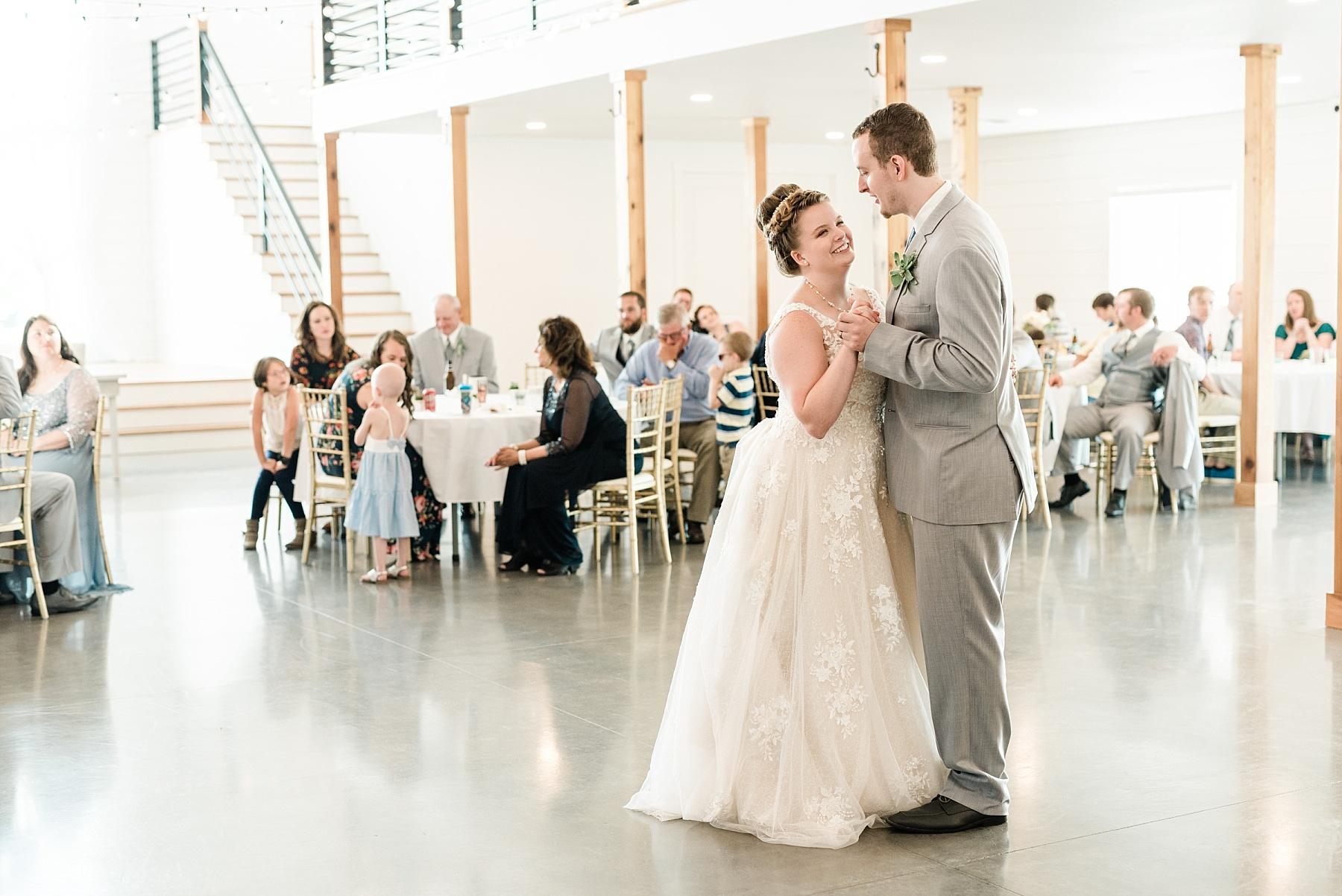Intimate Summer Wedding at Emerson Fields by Kelsi Kliethermes Photography Best Missouri and Maui Wedding Photographer_0008.jpg