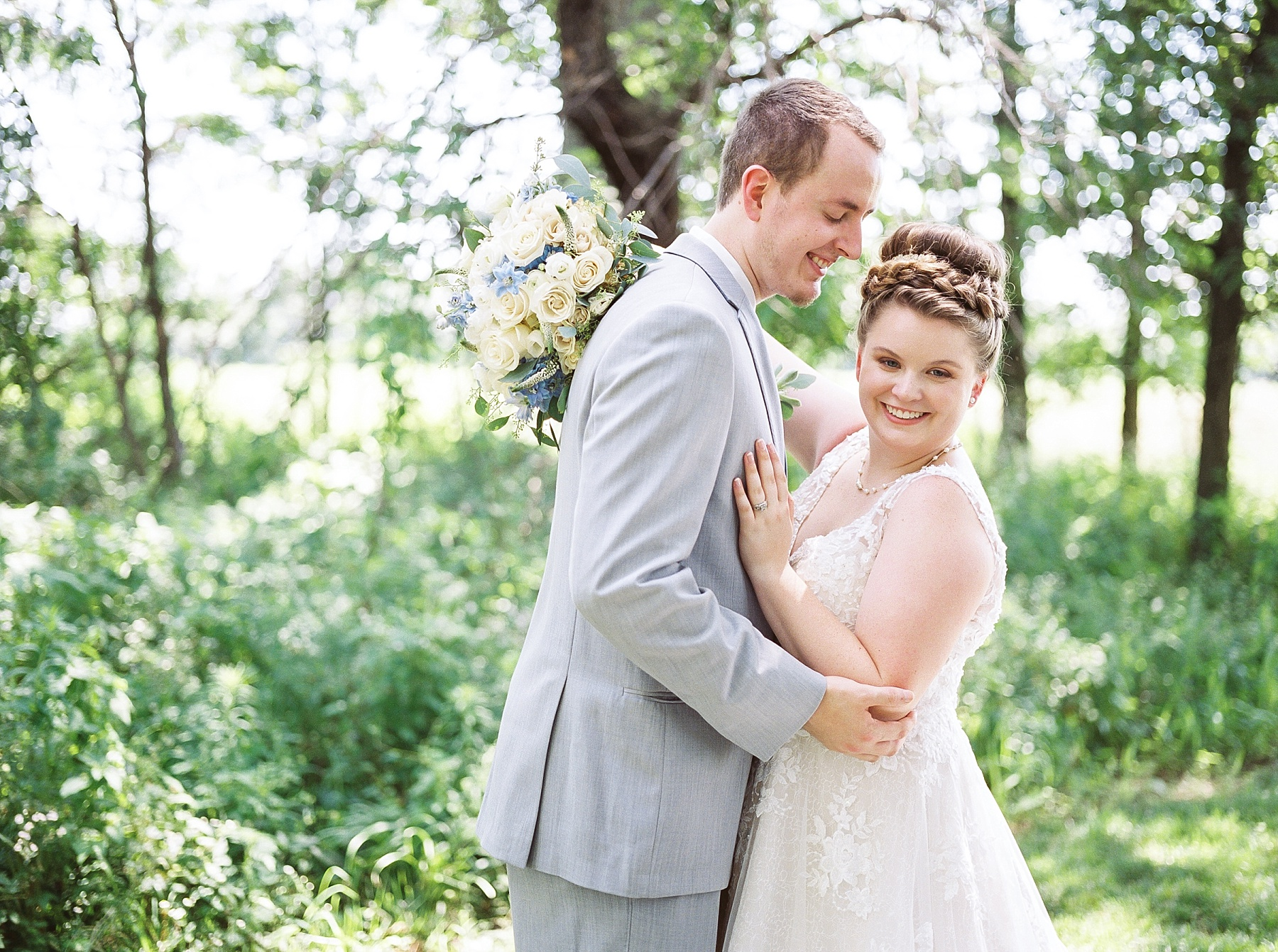 Intimate Summer Wedding at Emerson Fields by Kelsi Kliethermes Photography Best Missouri and Maui Wedding Photographer_0009.jpg