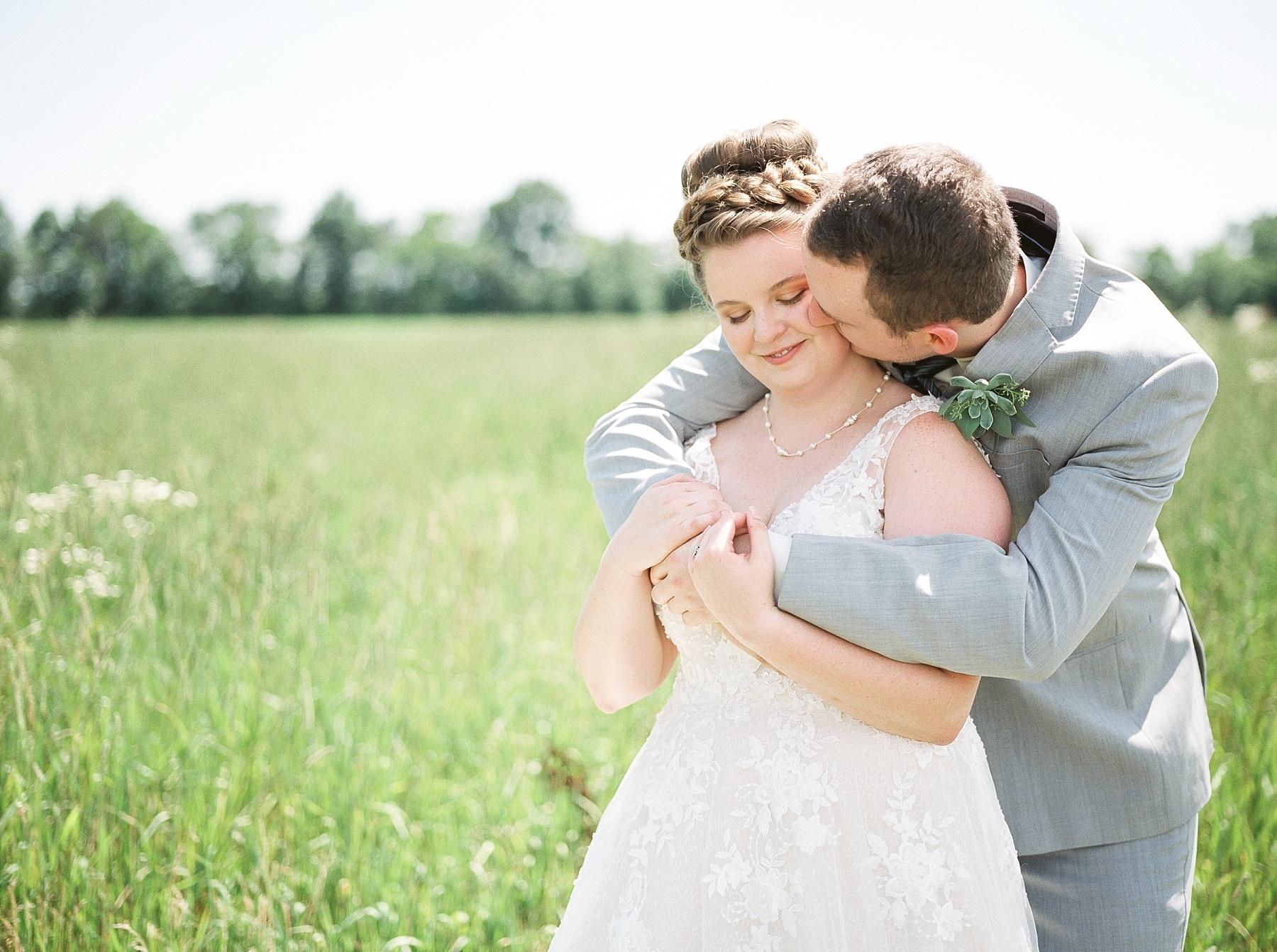Intimate Summer Wedding at Emerson Fields by Kelsi Kliethermes Photography Best Missouri and Maui Wedding Photographer_0010.jpg