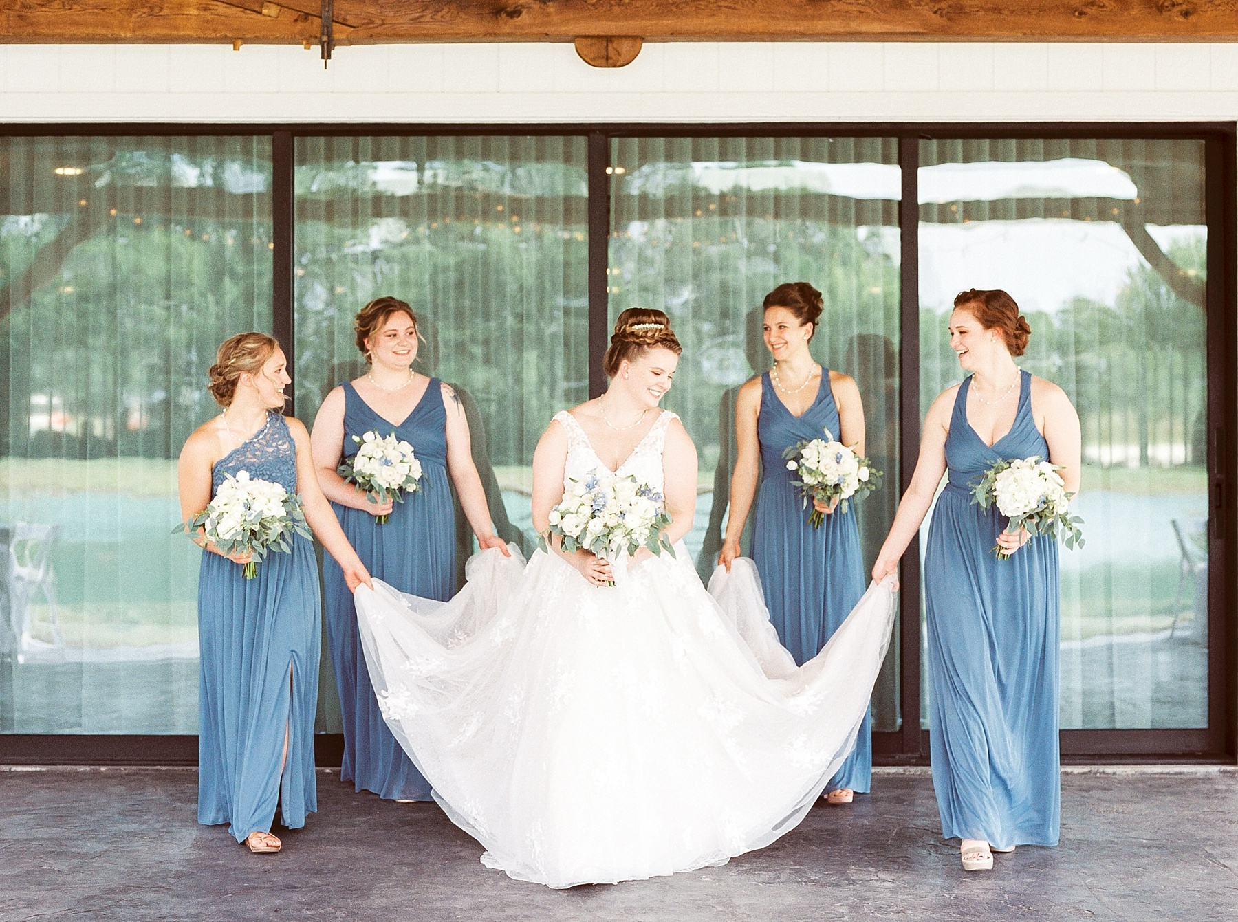 Intimate Summer Wedding at Emerson Fields by Kelsi Kliethermes Photography Best Missouri and Maui Wedding Photographer_0018.jpg