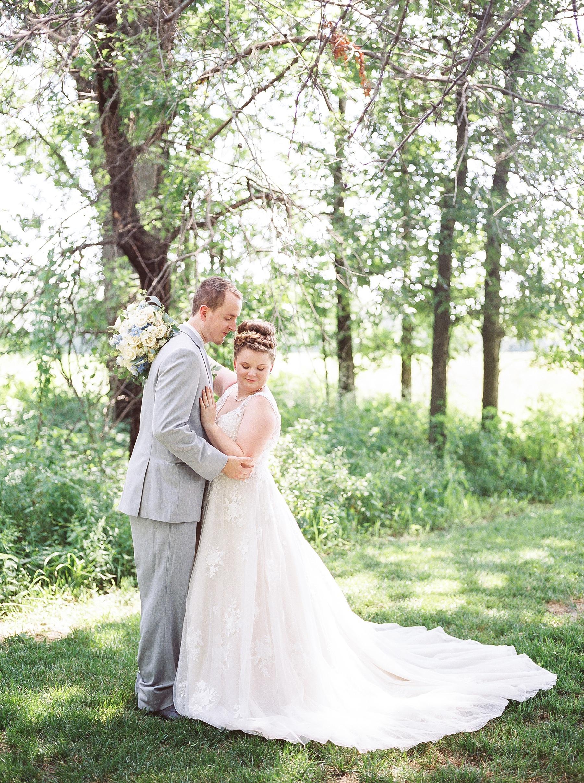 Intimate Summer Wedding at Emerson Fields by Kelsi Kliethermes Photography Best Missouri and Maui Wedding Photographer_0041.jpg