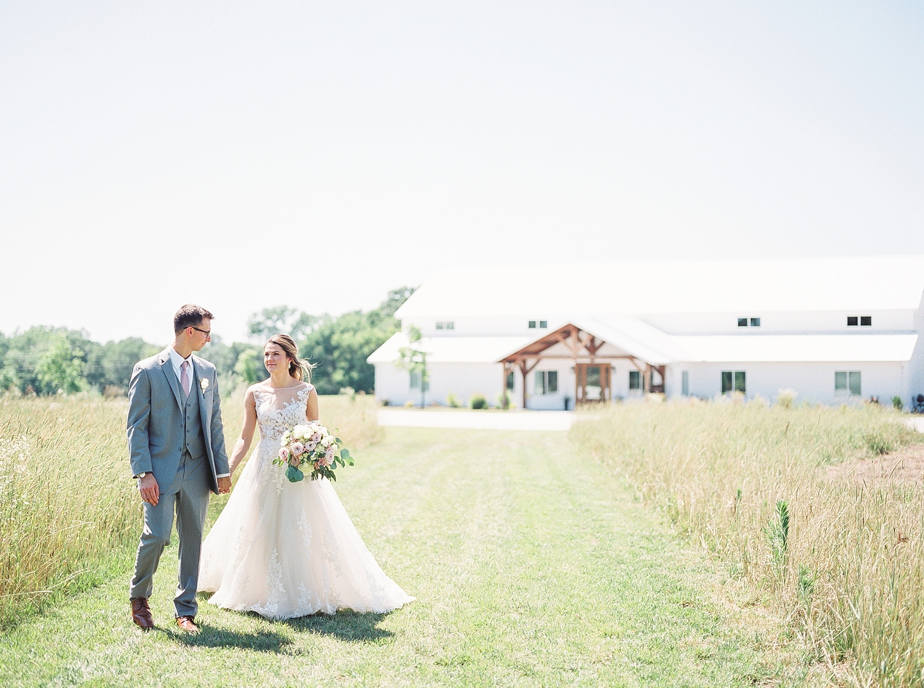 Classic Quartz, White, and Deep Green Wedding at Emerson Fields by Kelsi Kliethermes Photography Best Columbia Missouri and Maui Hawaii Wedding Photographer_0030.jpg