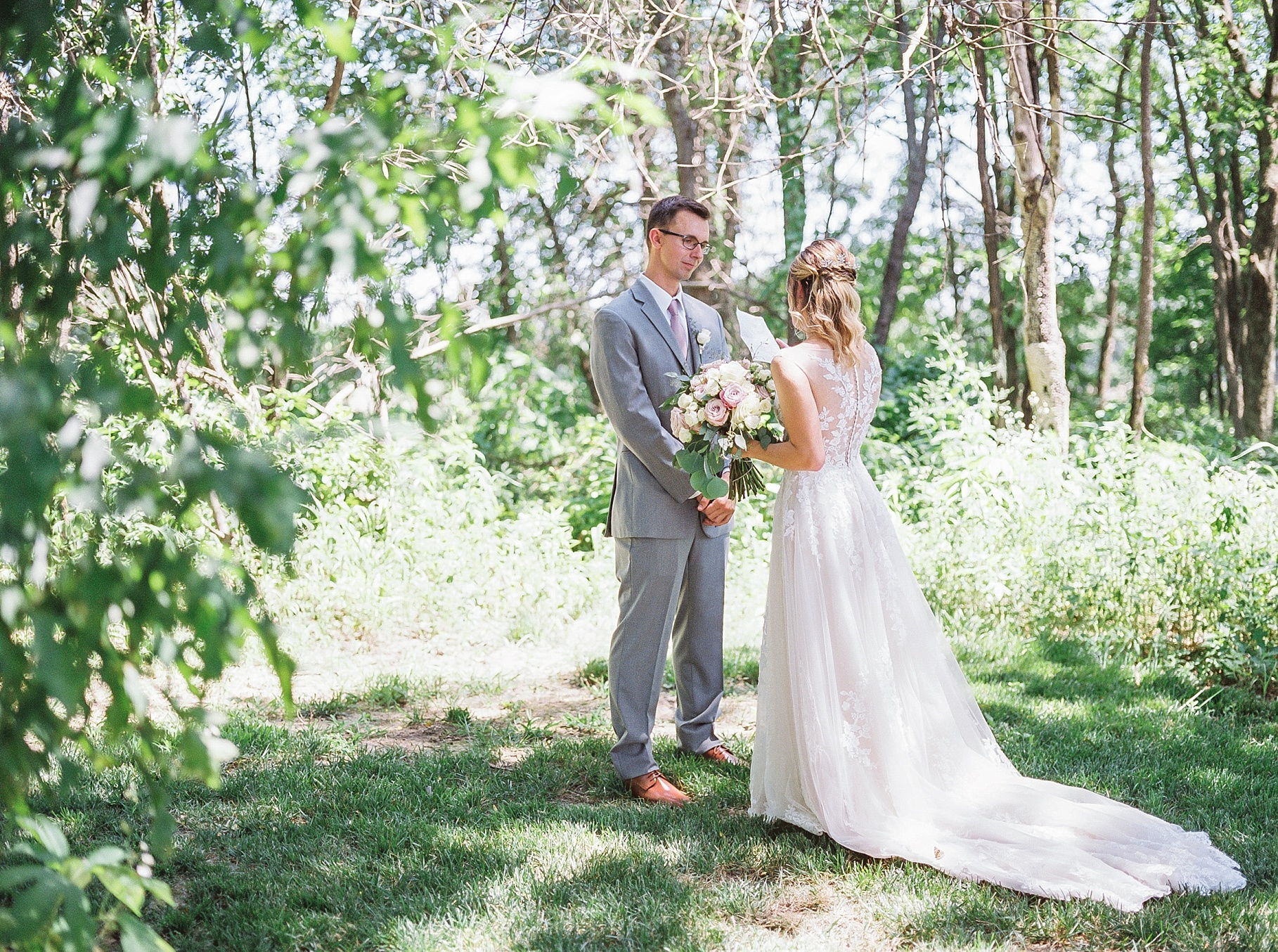 Classic Quartz, White, and Deep Green Wedding at Emerson Fields by Kelsi Kliethermes Photography Best Columbia Missouri and Maui Hawaii Wedding Photographer_0029.jpg