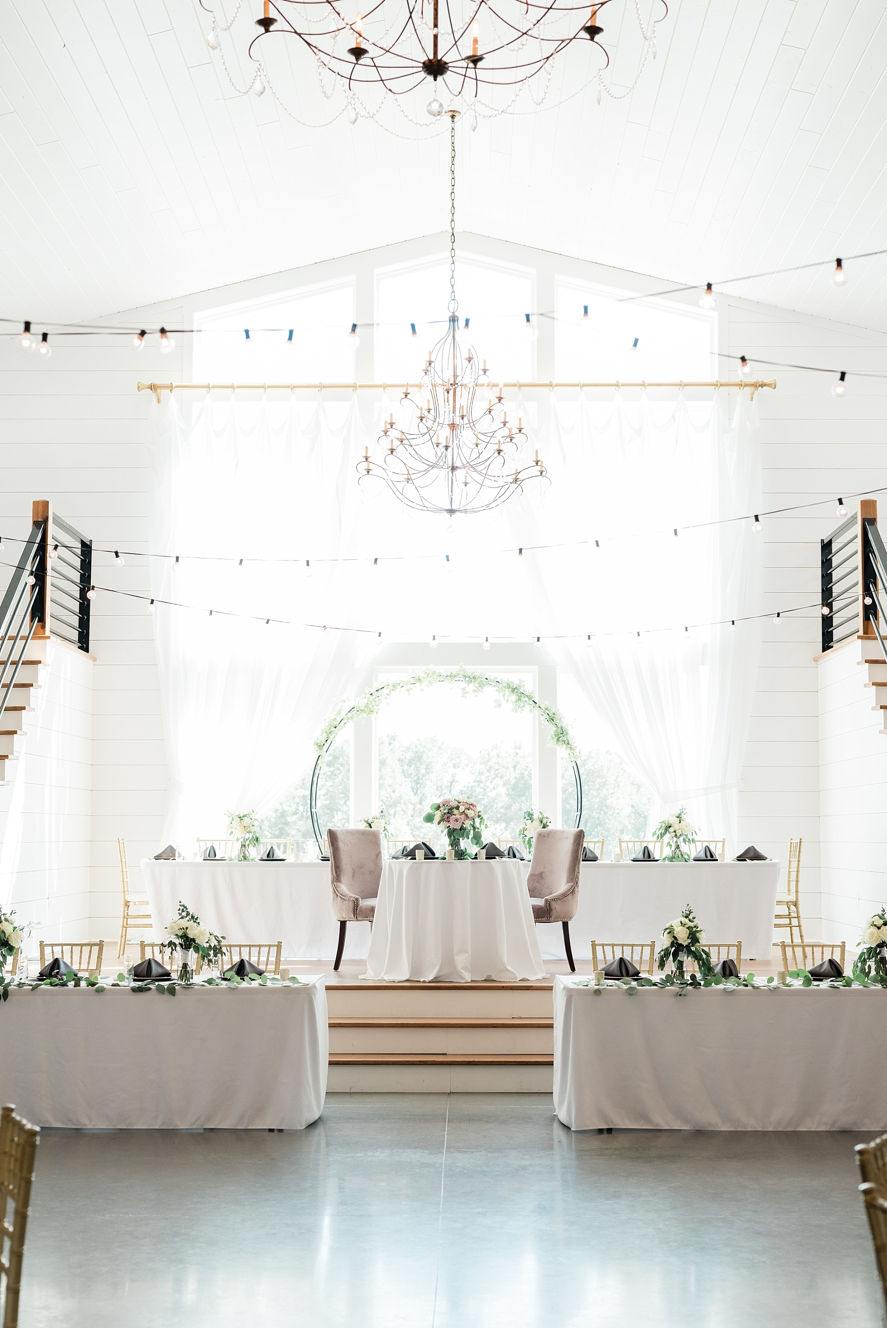 Classic Quartz, White, and Deep Green Wedding at Emerson Fields by Kelsi Kliethermes Photography Best Columbia Missouri and Maui Hawaii Wedding Photographer_0062.jpg