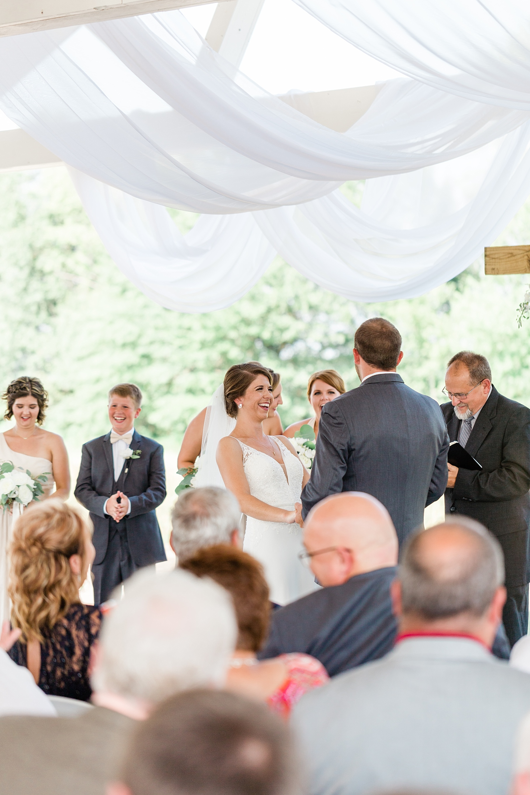 Wedding Ceremony with Confetti Pop at Emerson Fields Venue by Associate Wedding Photographer for Kelsi Kliethermes Photography Best Columbia Missouri and Maui Hawaii Wedding Photographer_0017.jpg