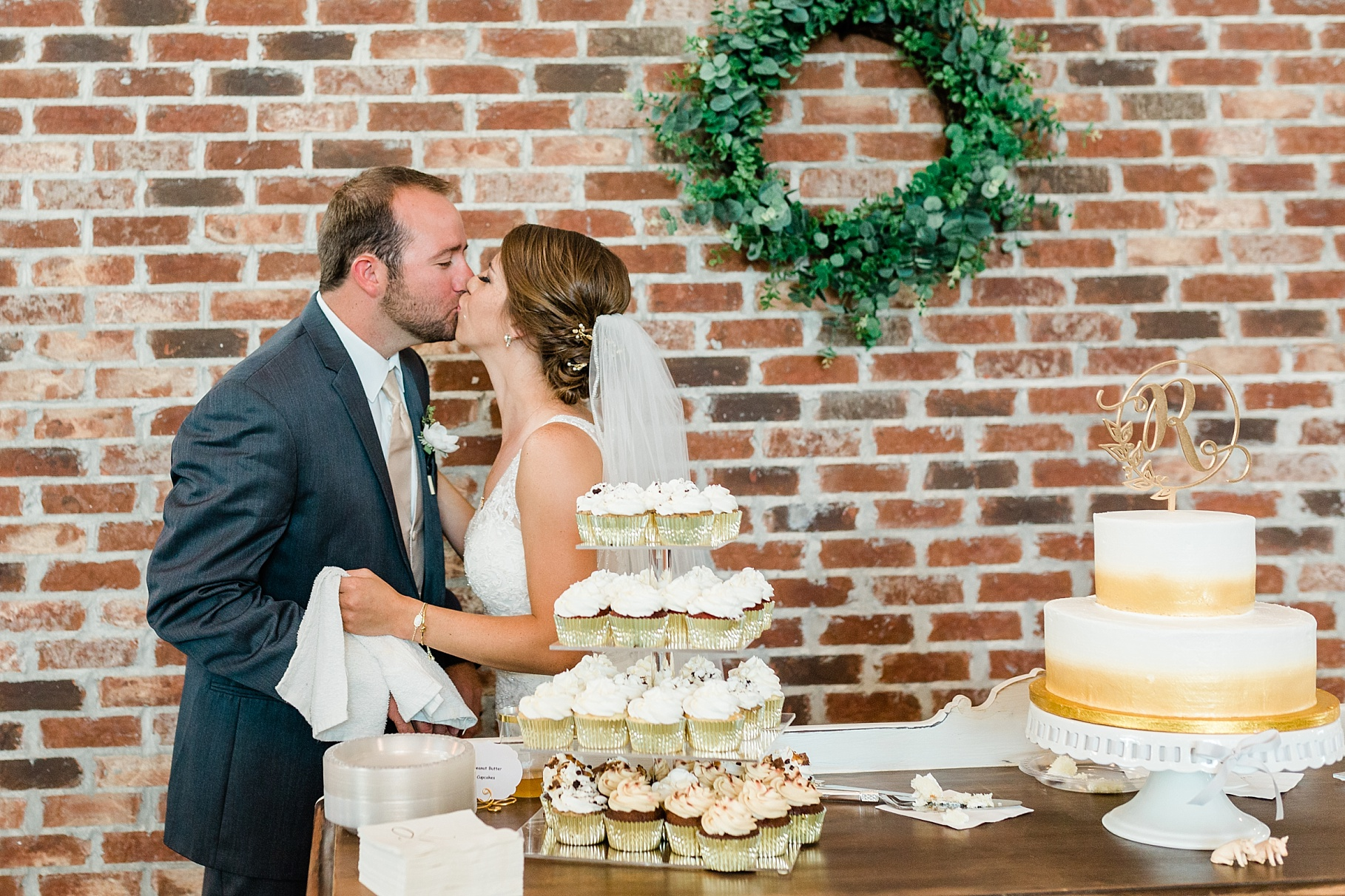 Wedding Ceremony with Confetti Pop at Emerson Fields Venue by Associate Wedding Photographer for Kelsi Kliethermes Photography Best Columbia Missouri and Maui Hawaii Wedding Photographer_0023.jpg