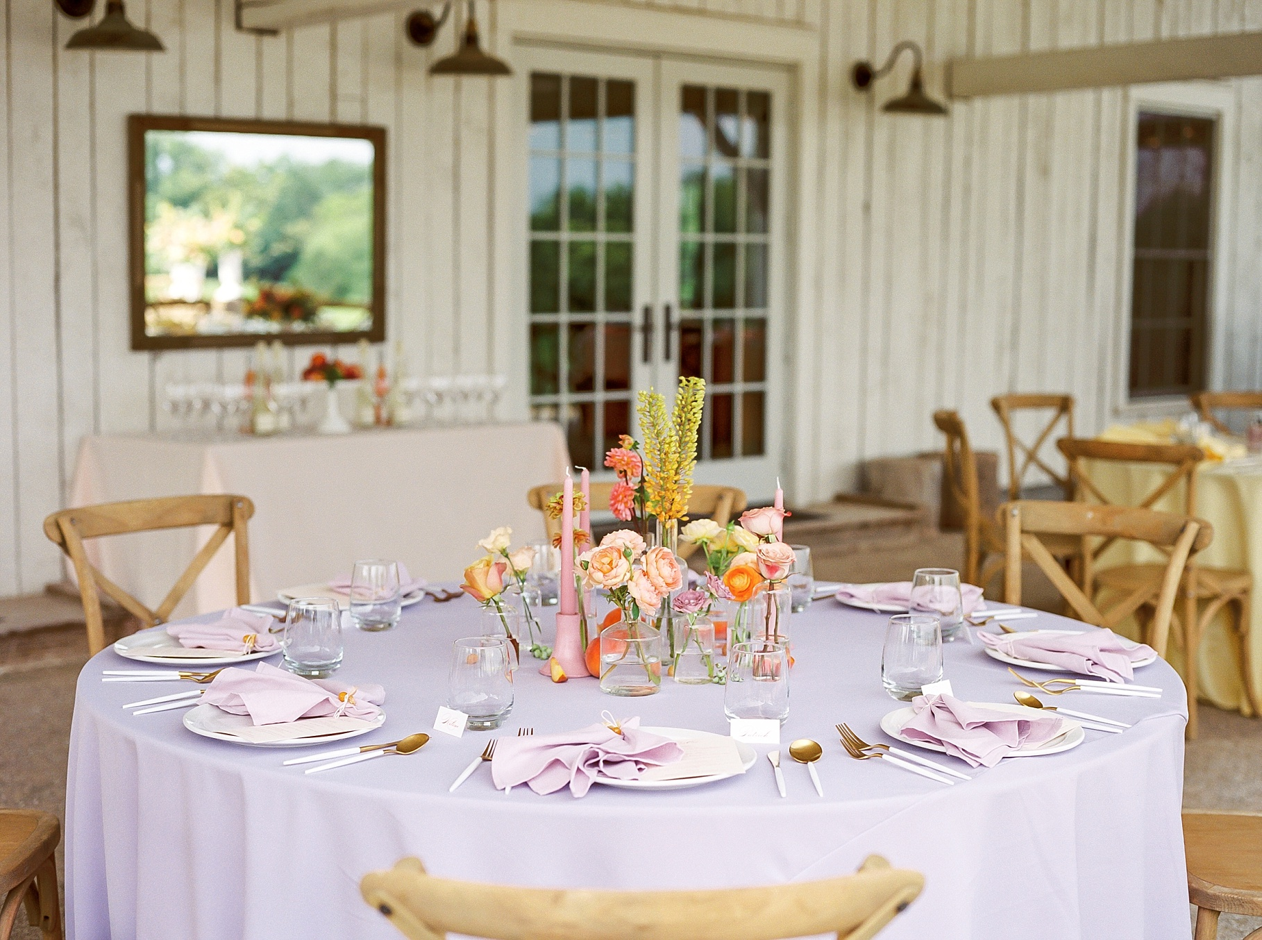 Late Summer Wedding With Pastel Toned Soiree at Blue Bell Farm by Kelsi Kliethermes Photography Best Columbia Missouri Wedding Photographer_0008.jpg