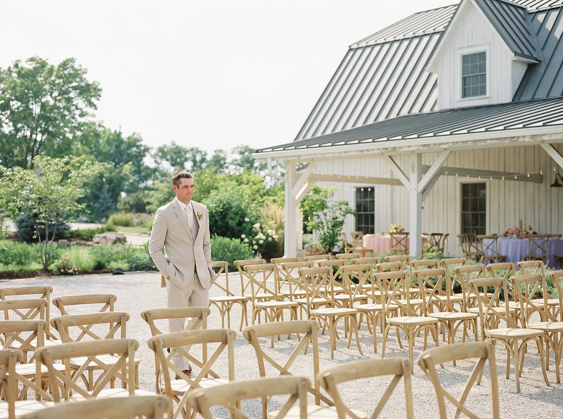 Late Summer Wedding With Pastel Toned Soiree at Blue Bell Farm by Kelsi Kliethermes Photography Best Columbia Missouri Wedding Photographer_0014.jpg