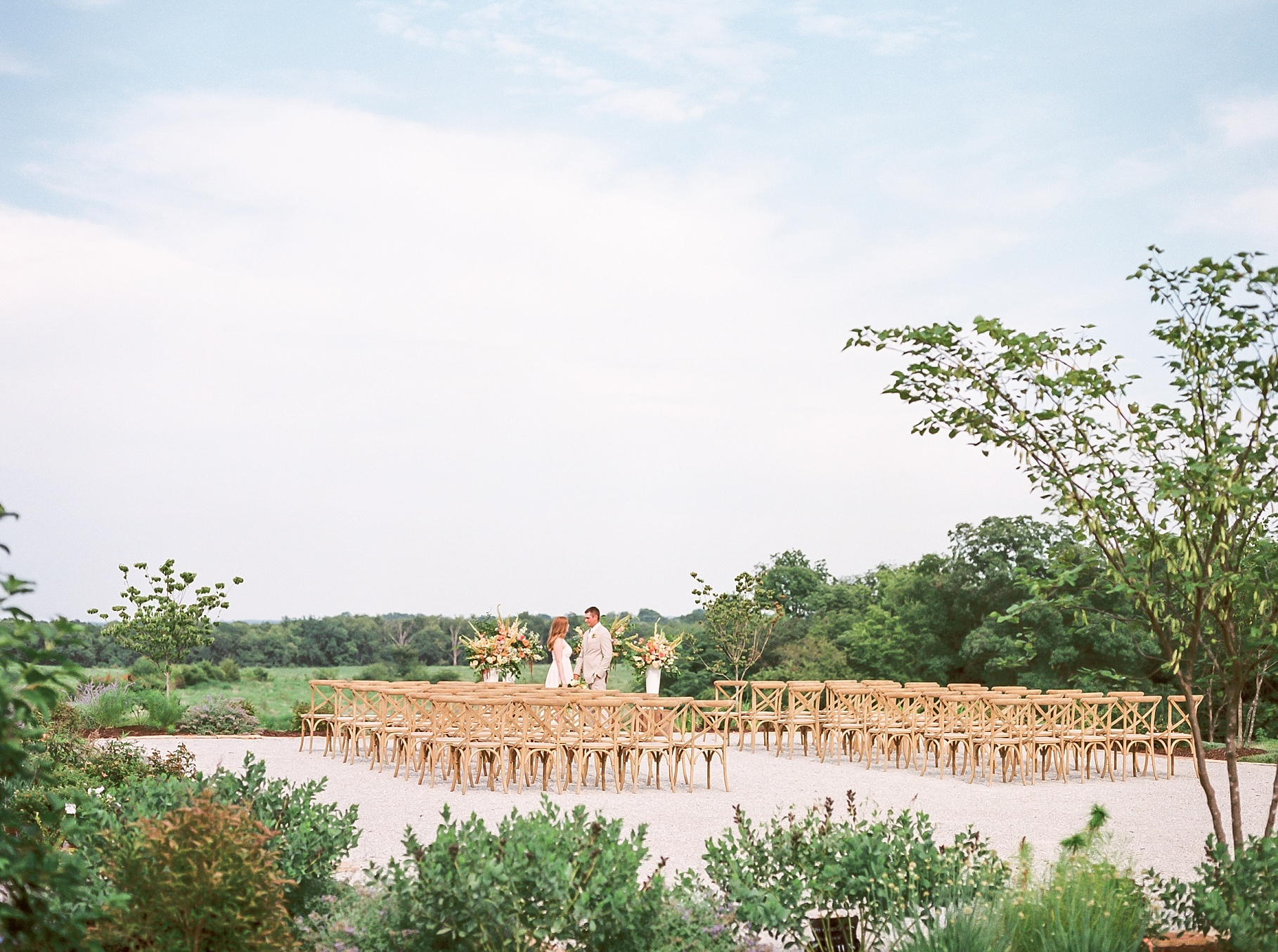 Late Summer Wedding With Pastel Toned Soiree at Blue Bell Farm by Kelsi Kliethermes Photography Best Columbia Missouri Wedding Photographer_0017.jpg