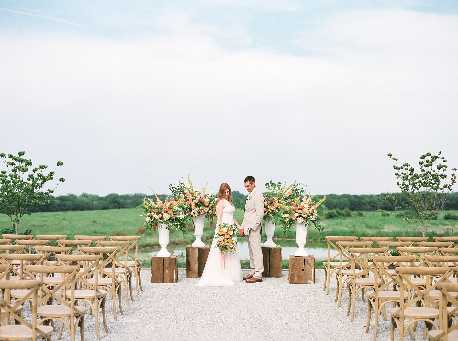 Late Summer Wedding With Pastel Toned Soiree at Blue Bell Farm by Kelsi Kliethermes Photography Best Columbia Missouri Wedding Photographer_0019.jpg