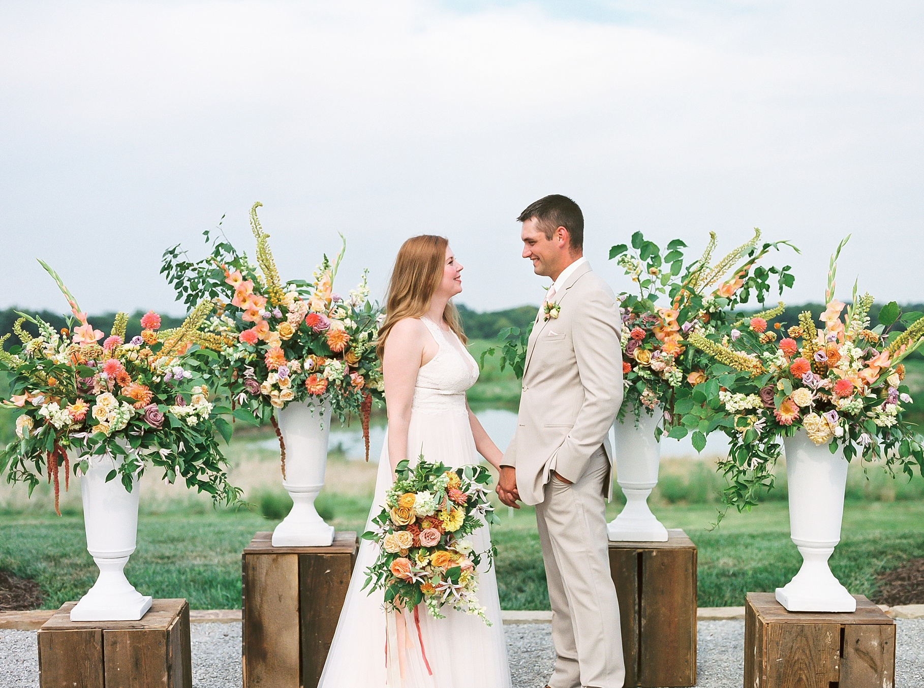 Late Summer Wedding With Pastel Toned Soiree at Blue Bell Farm by Kelsi Kliethermes Photography Best Columbia Missouri Wedding Photographer_0020.jpg