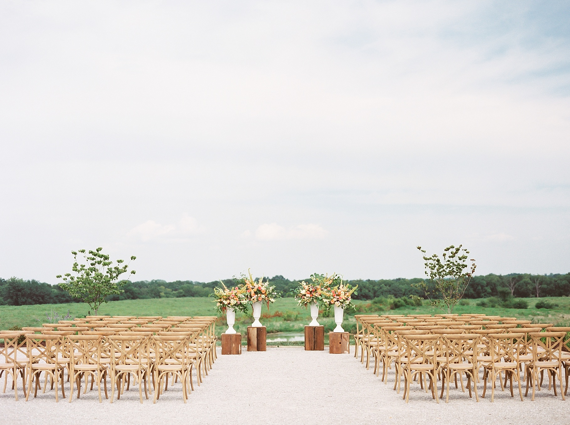 Late Summer Wedding With Pastel Toned Soiree at Blue Bell Farm by Kelsi Kliethermes Photography Best Columbia Missouri Wedding Photographer_0027.jpg