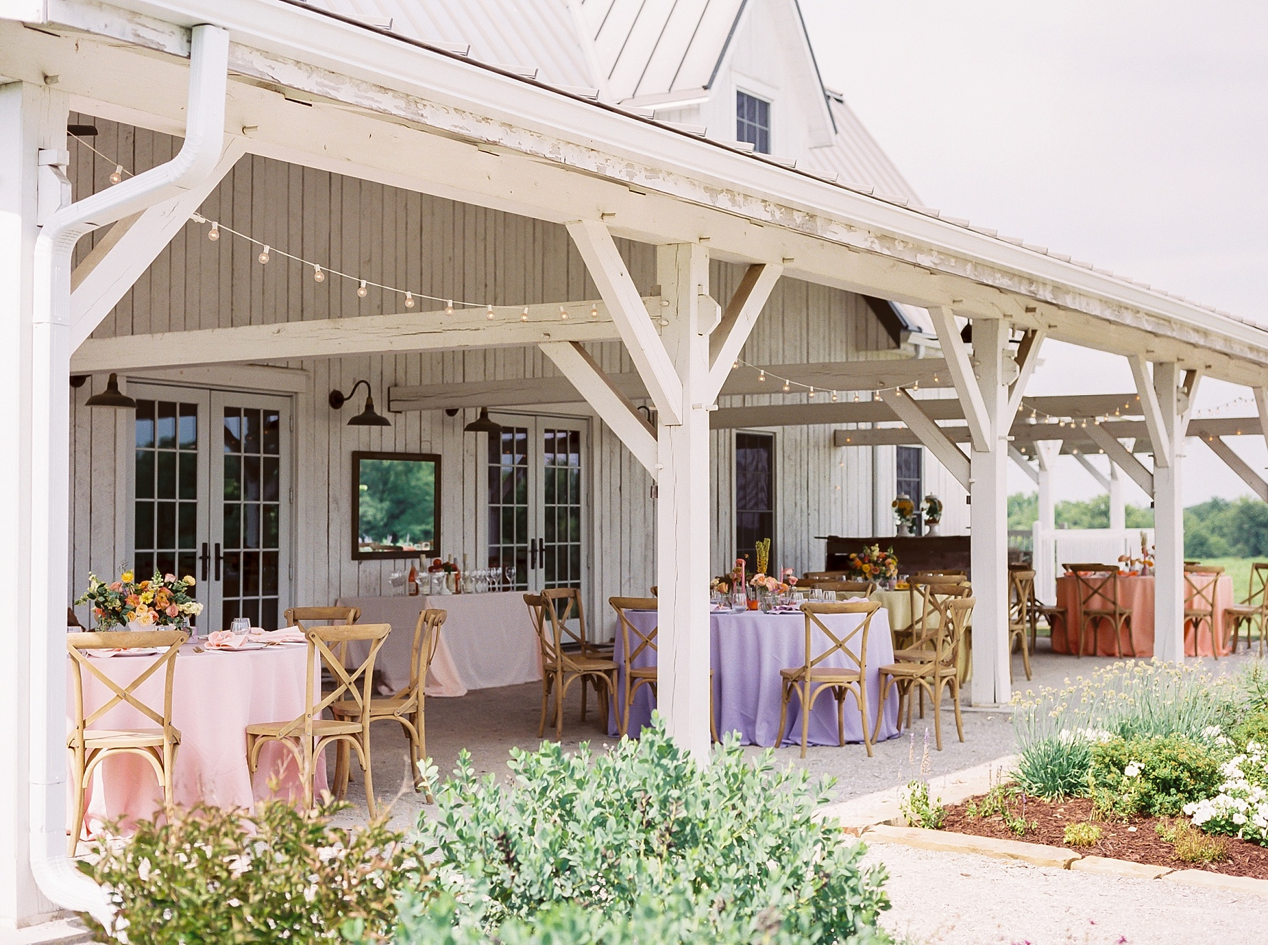 Late Summer Wedding With Pastel Toned Soiree at Blue Bell Farm by Kelsi Kliethermes Photography Best Columbia Missouri Wedding Photographer_0031.jpg