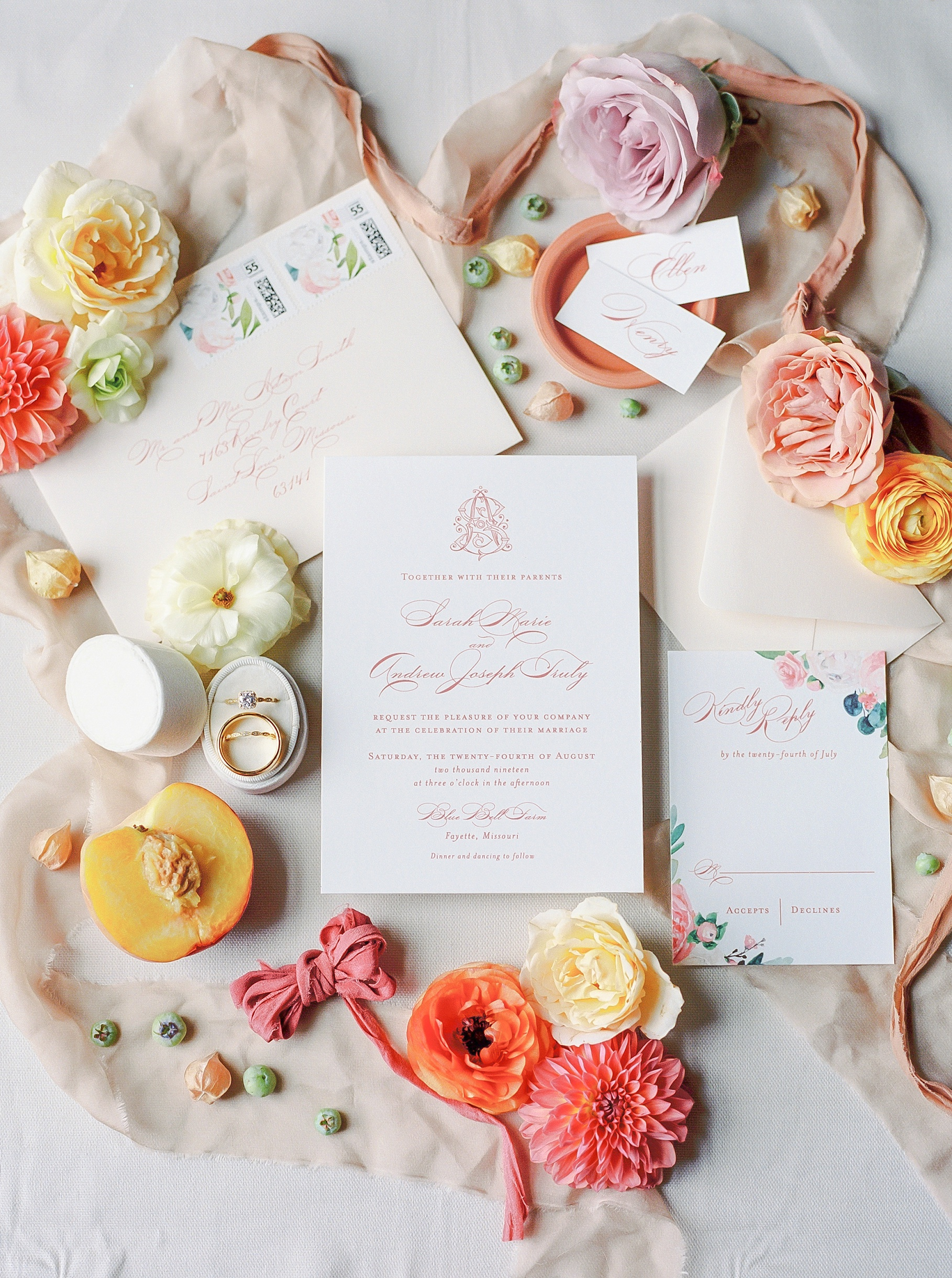 Late Summer Wedding With Pastel Toned Soiree at Blue Bell Farm by Kelsi Kliethermes Photography Best Columbia Missouri Wedding Photographer_0037.jpg