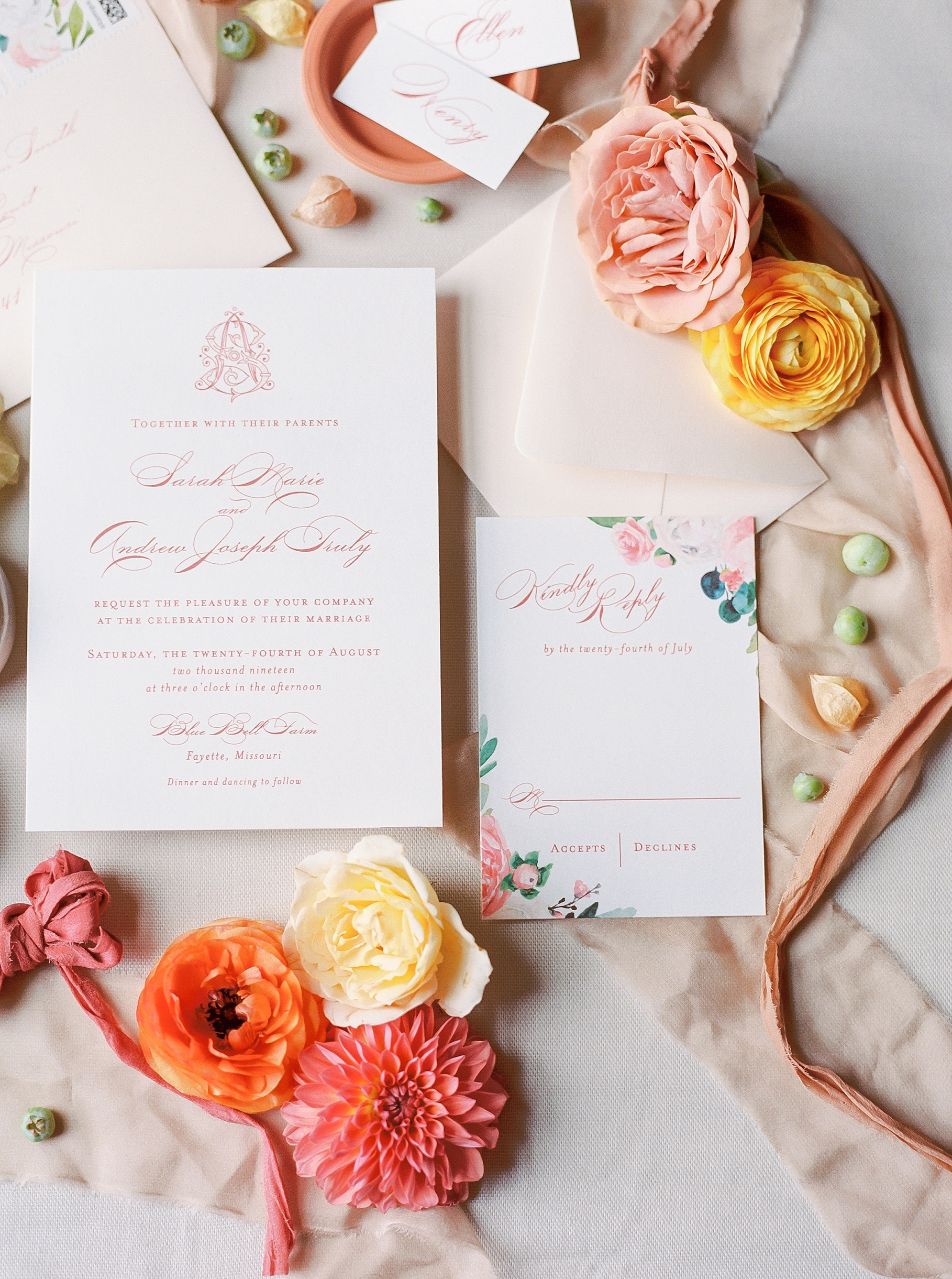 Late Summer Wedding With Pastel Toned Soiree at Blue Bell Farm by Kelsi Kliethermes Photography Best Columbia Missouri Wedding Photographer_0038.jpg