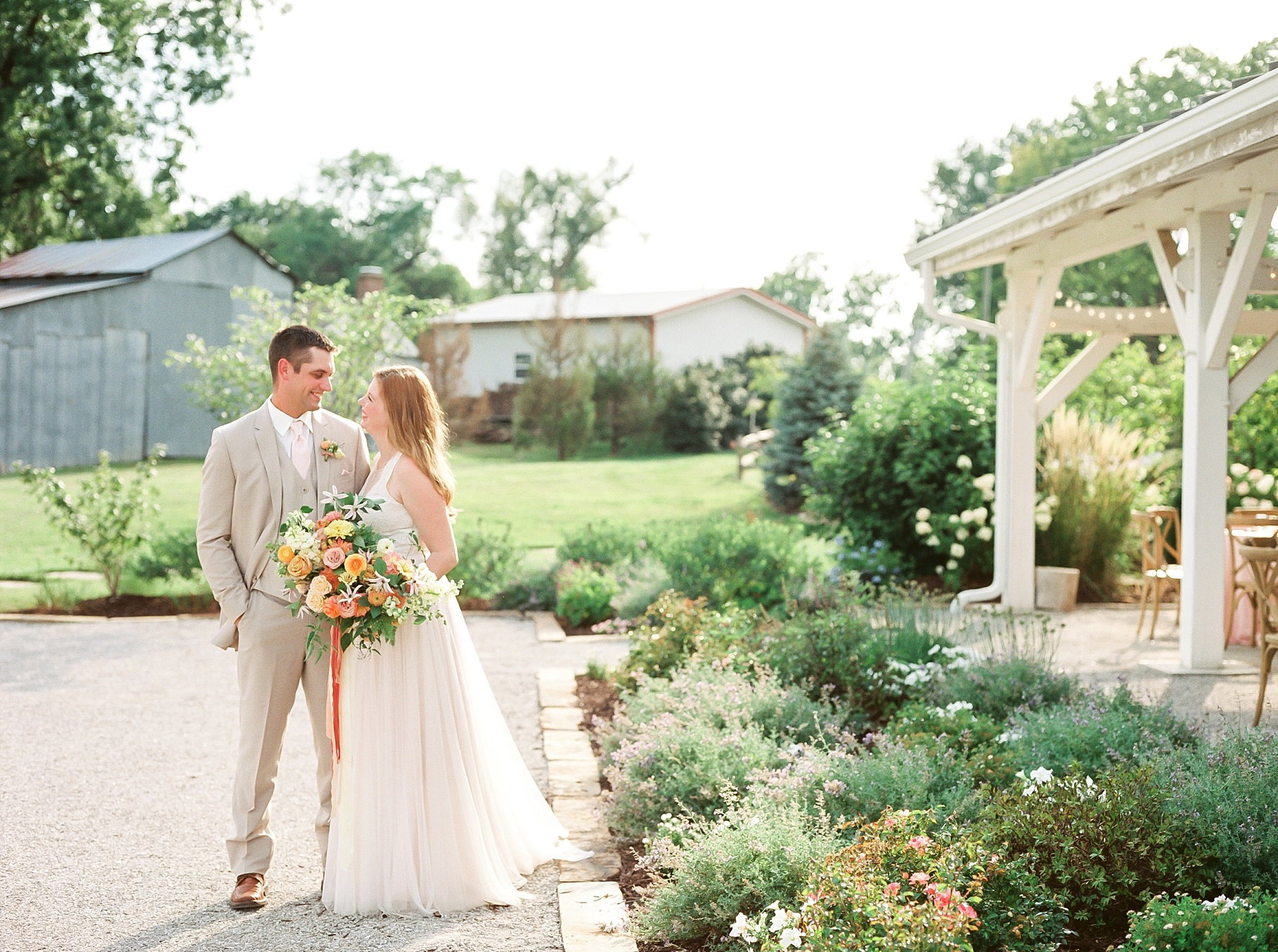 Late Summer Wedding With Pastel Toned Soiree at Blue Bell Farm by Kelsi Kliethermes Photography Best Columbia Missouri Wedding Photographer_0044.jpg