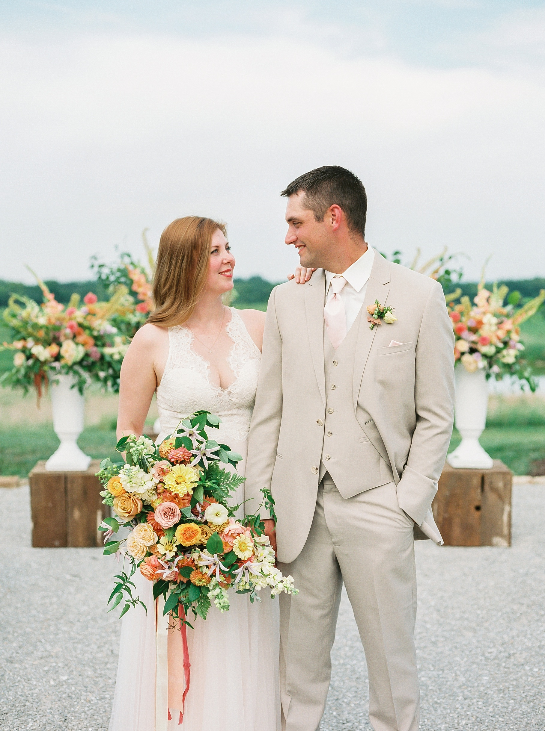 Late Summer Wedding With Pastel Toned Soiree at Blue Bell Farm by Kelsi Kliethermes Photography Best Columbia Missouri Wedding Photographer_0092.jpg
