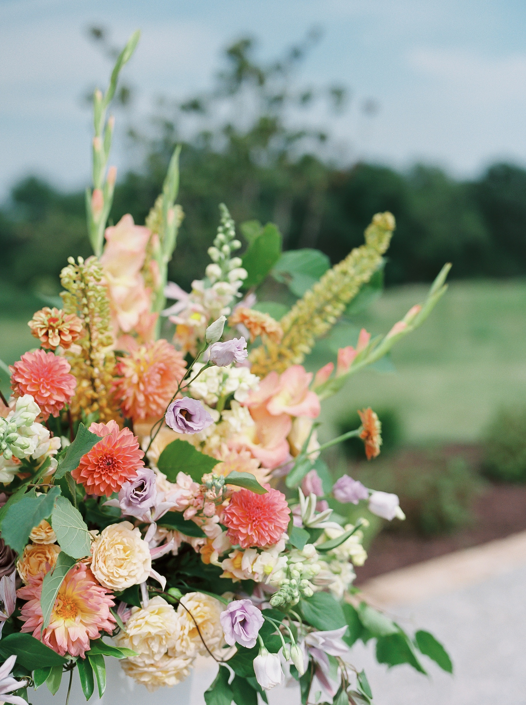 Late Summer Wedding With Pastel Toned Soiree at Blue Bell Farm by Kelsi Kliethermes Photography Best Columbia Missouri Wedding Photographer_0094.jpg