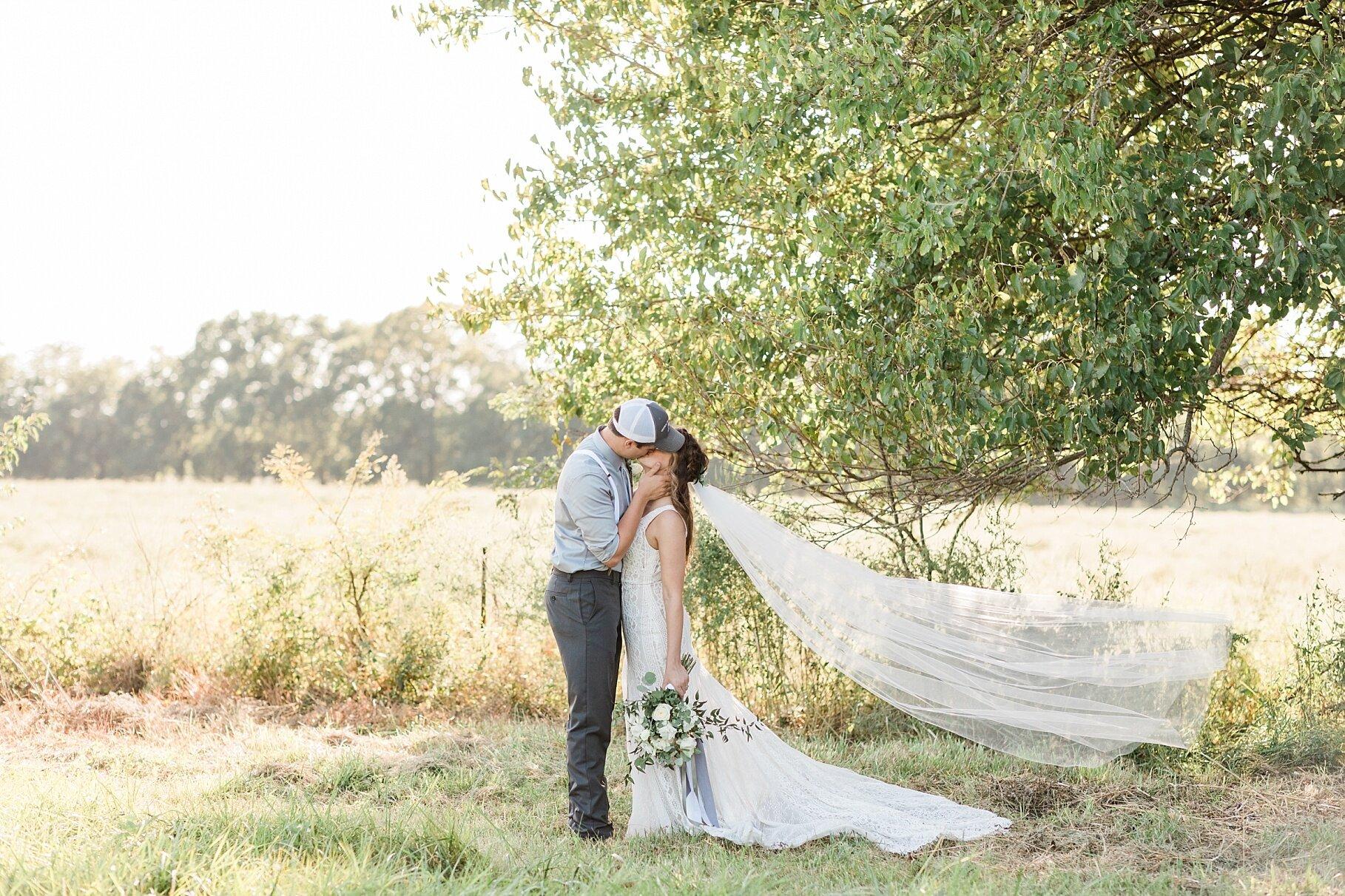 Earth-Toned Wedding by KKP Associate Wedding Photographer and Kelsi Kliethermes Photography Best Columbia Missouri Wedding Photographer_0011.jpg