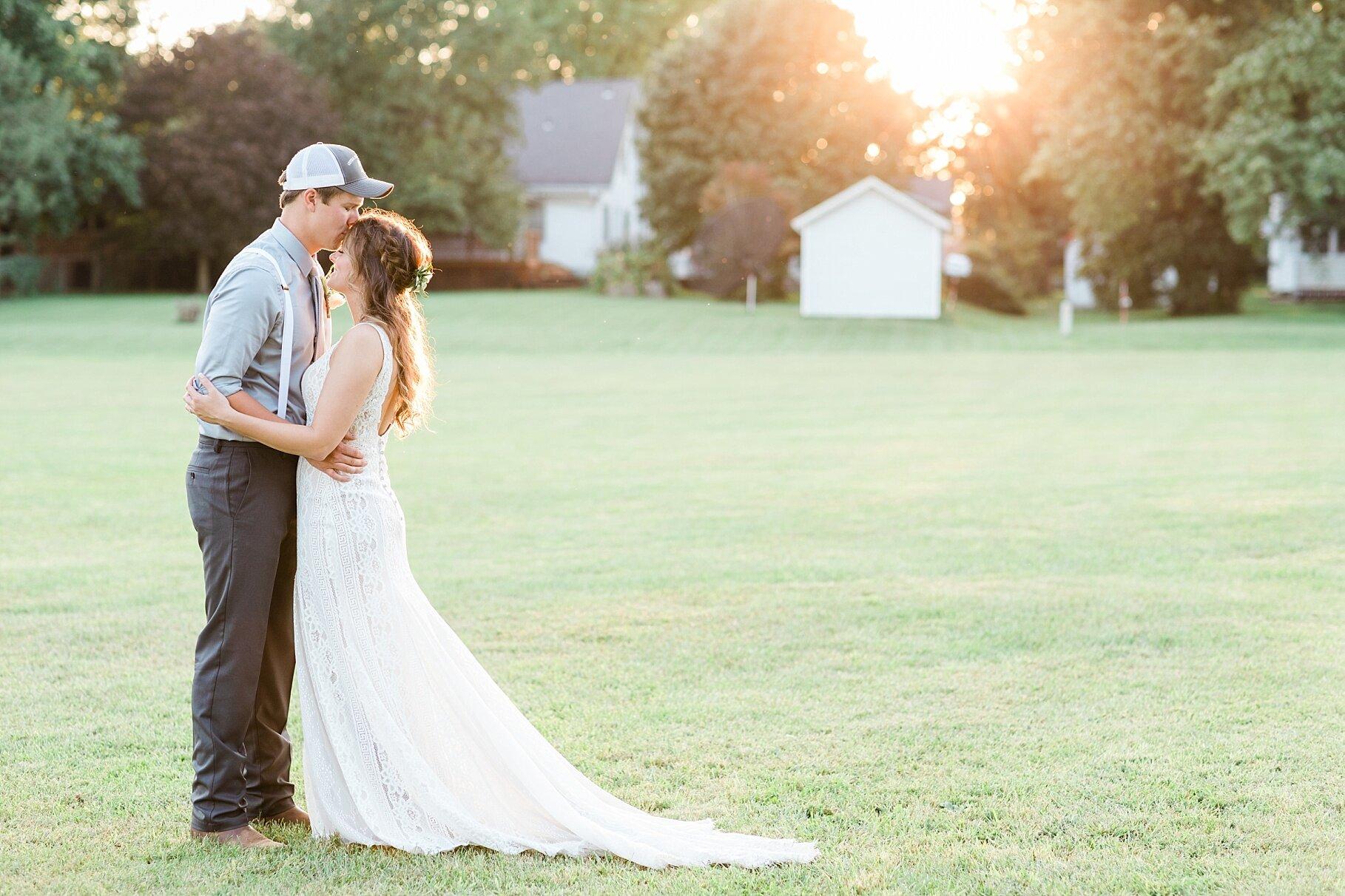 Earth-Toned Wedding by KKP Associate Wedding Photographer and Kelsi Kliethermes Photography Best Columbia Missouri Wedding Photographer_0012.jpg