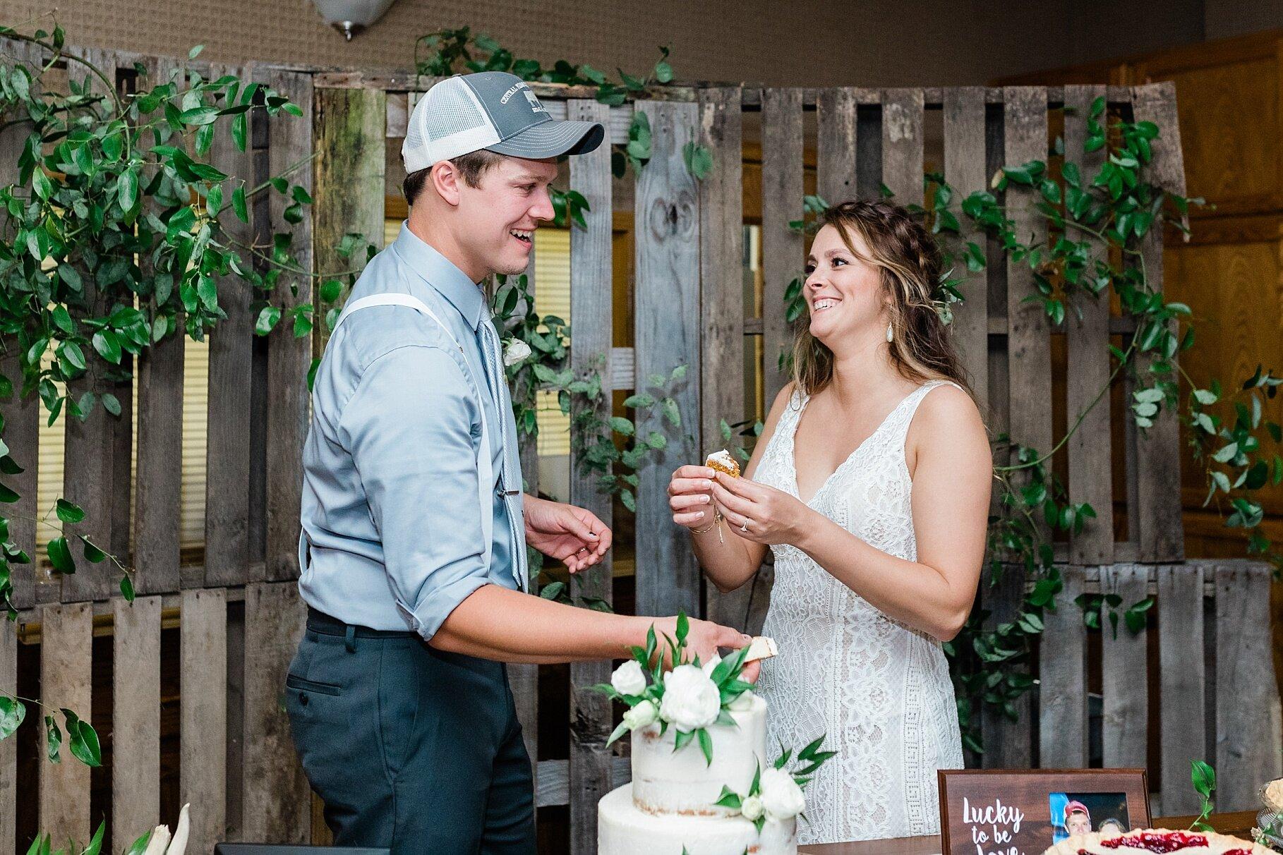 Earth-Toned Wedding by KKP Associate Wedding Photographer and Kelsi Kliethermes Photography Best Columbia Missouri Wedding Photographer_0013.jpg