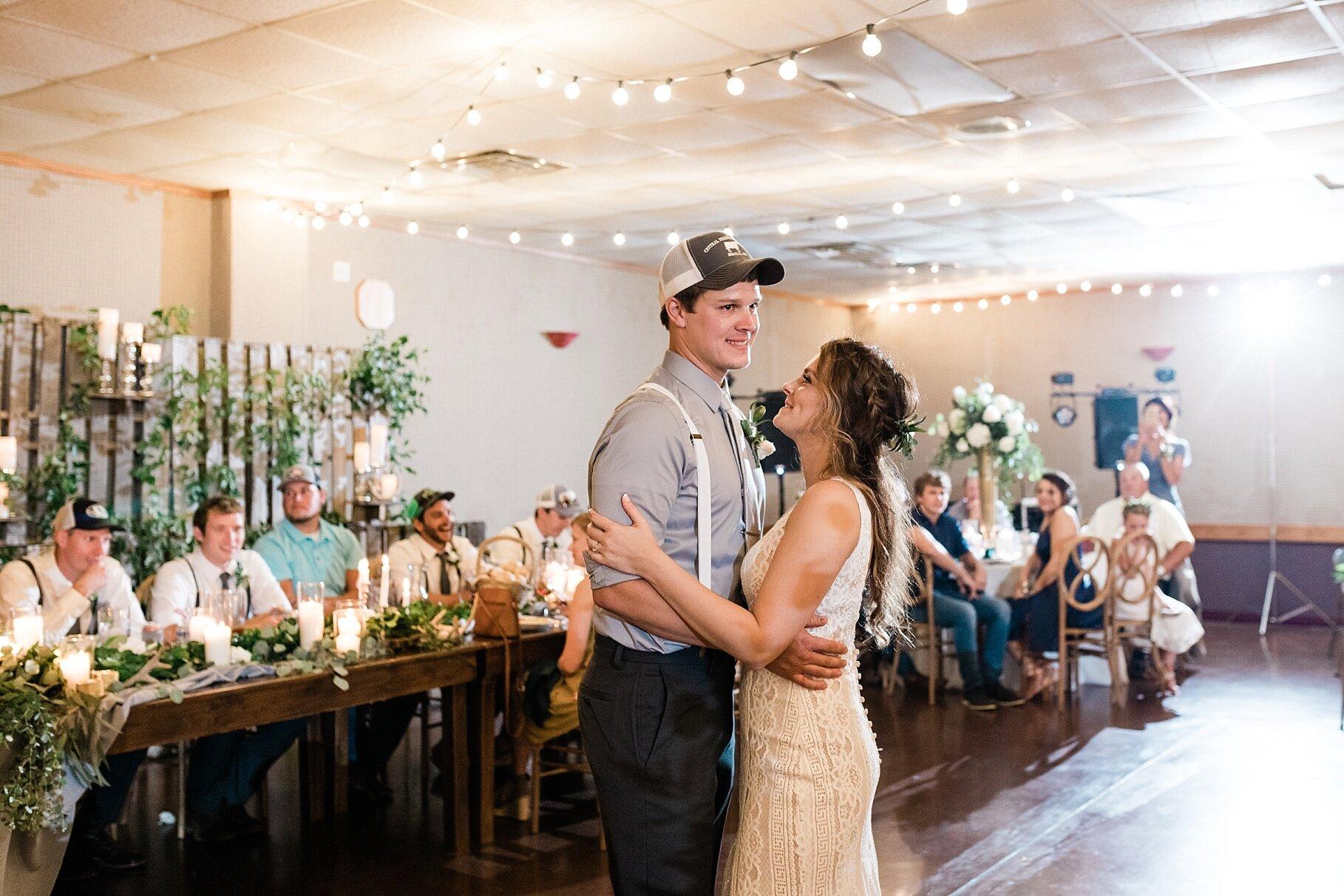 Earth-Toned Wedding by KKP Associate Wedding Photographer and Kelsi Kliethermes Photography Best Columbia Missouri Wedding Photographer_0014.jpg