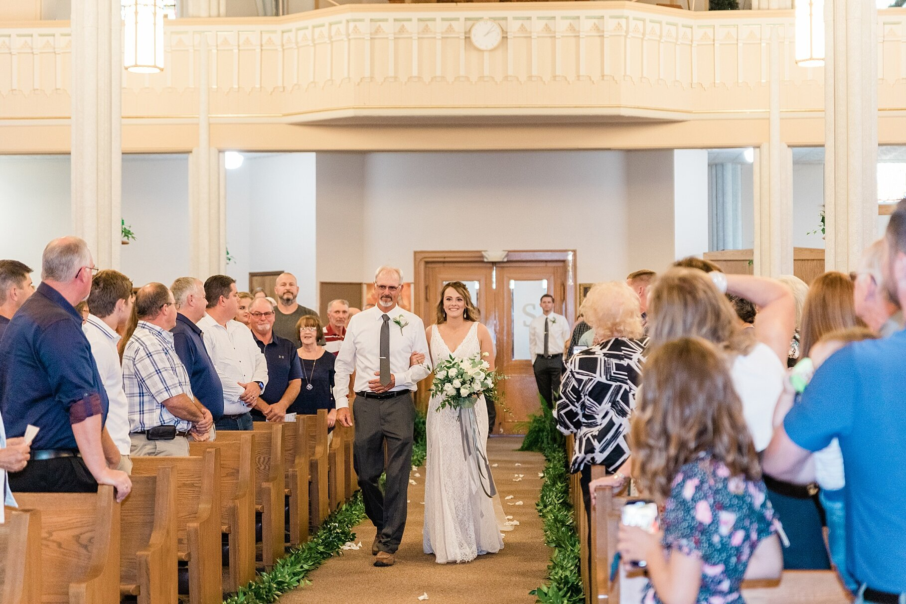 Earth-Toned Wedding by KKP Associate Wedding Photographer and Kelsi Kliethermes Photography Best Columbia Missouri Wedding Photographer_0024.jpg