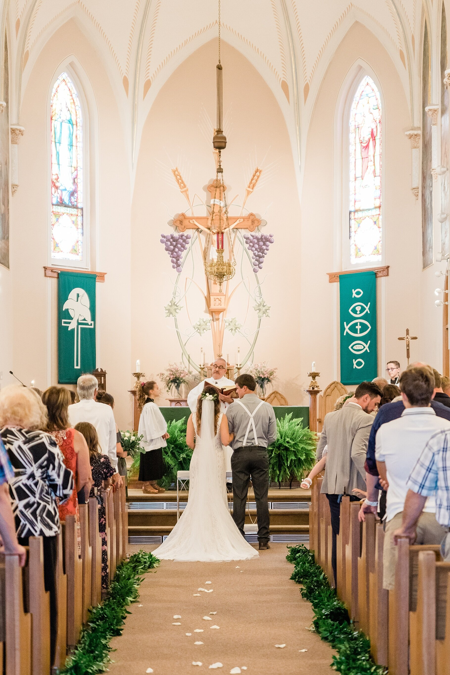 Earth-Toned Wedding by KKP Associate Wedding Photographer and Kelsi Kliethermes Photography Best Columbia Missouri Wedding Photographer_0037.jpg