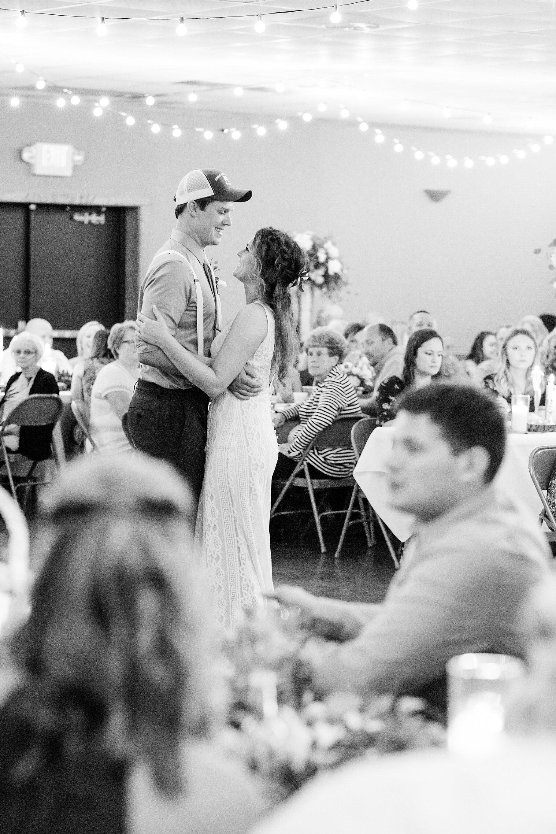 Earth-Toned Wedding by KKP Associate Wedding Photographer and Kelsi Kliethermes Photography Best Columbia Missouri Wedding Photographer_0042.jpg