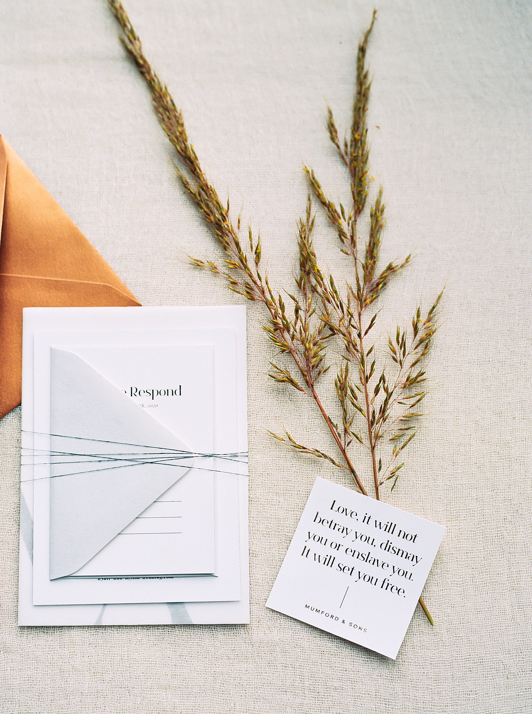 Urban Romance Wedding with Copper Accents at The Millbottom by Kelsi Kliethermes Photography Best Columbia Missouri Wedding Photographer_0041.jpg