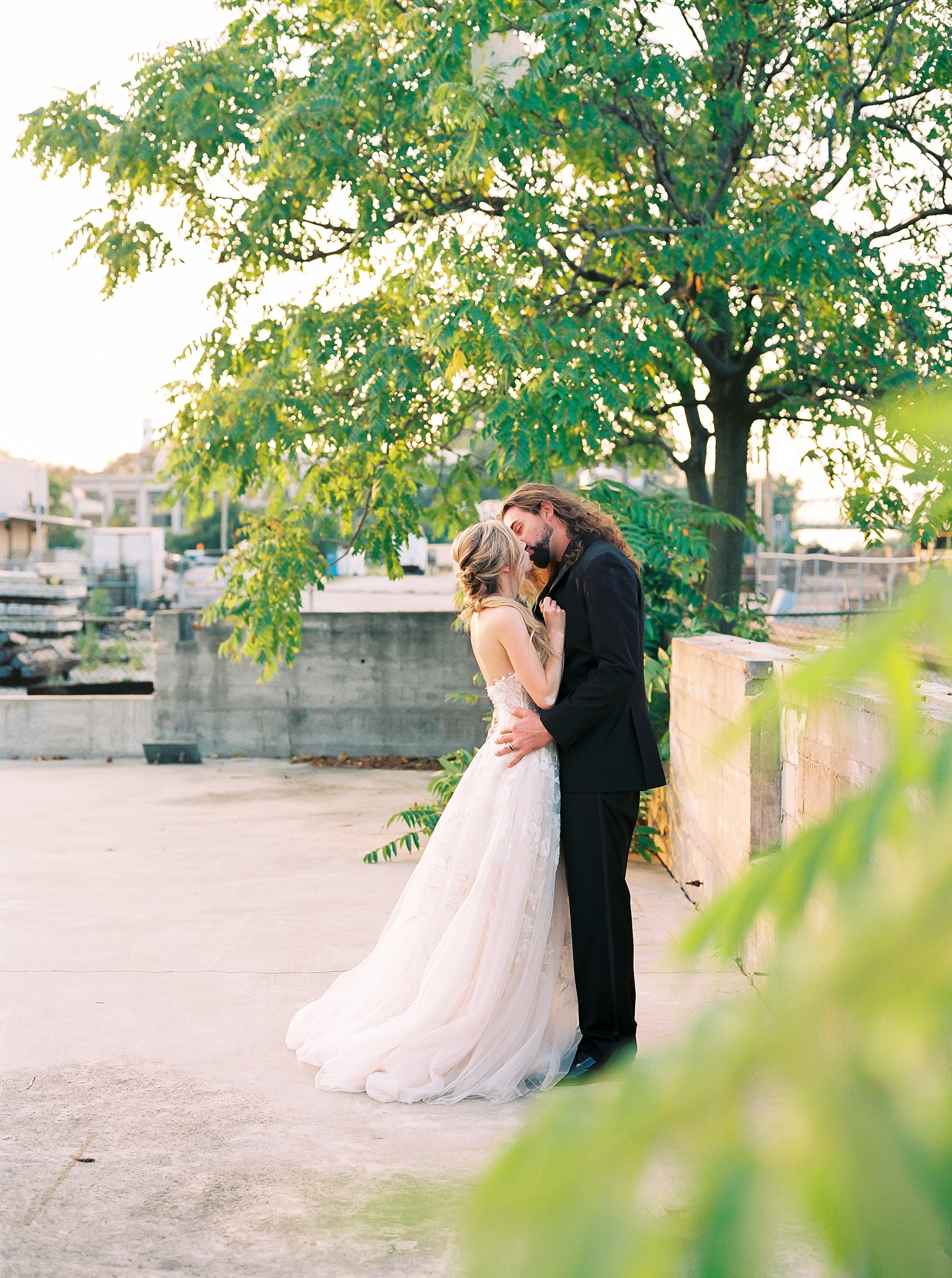 Urban Romance Wedding with Copper Accents at The Millbottom by Kelsi Kliethermes Photography Best Columbia Missouri Wedding Photographer_0053.jpg
