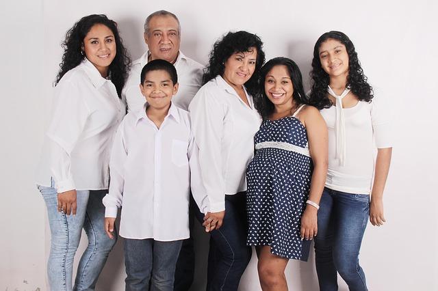 family-photo-827763_640.jpg