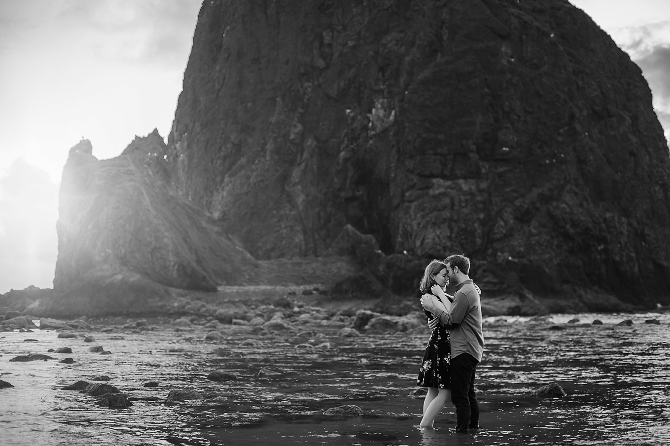 Amanda + Matt - Oregon Coast Engagement Photographer - Destination Elopement Photographer - Emily & Co. Photography (13).jpg