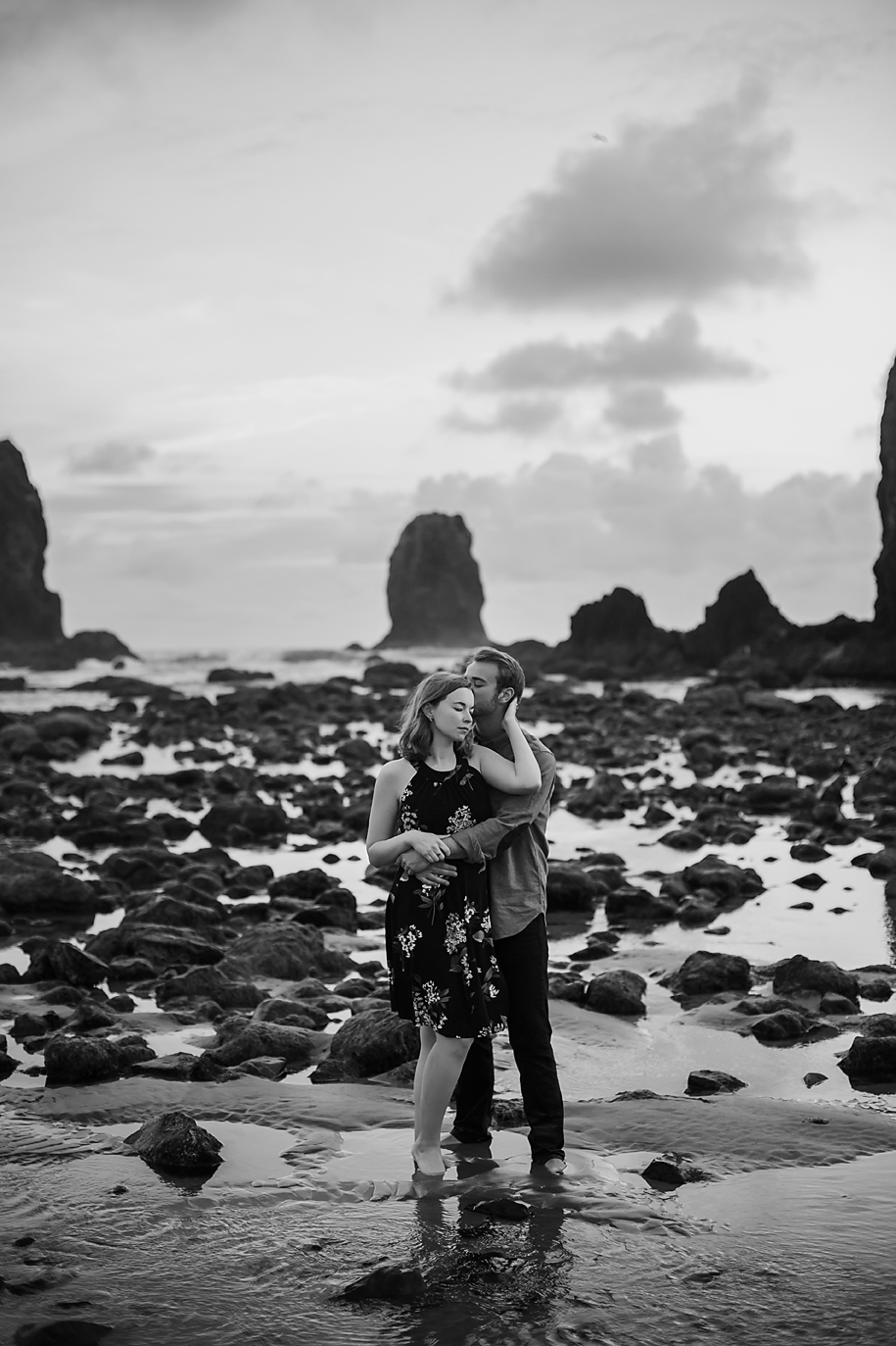 Amanda + Matt - Oregon Coast Engagement Photographer - Destination Elopement Photographer - Emily & Co. Photography (17).jpg