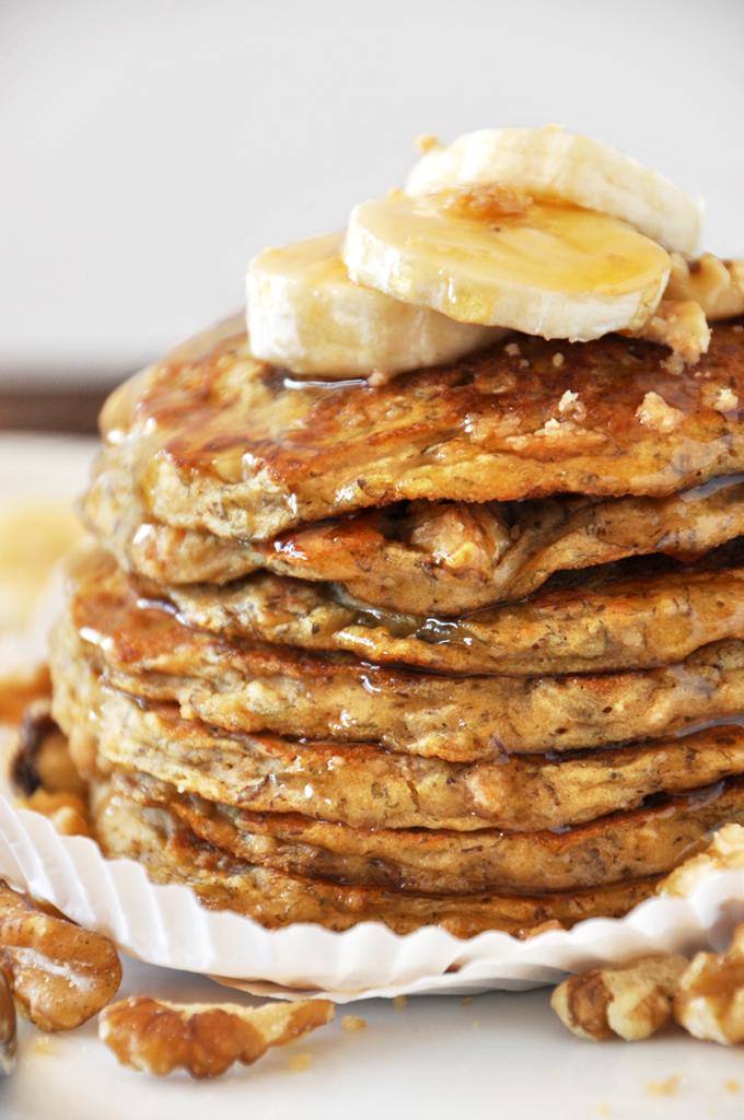 VEGAN-BANANA-NUT-MUFFIN-PANCAKES-minimalist-baker.jpg