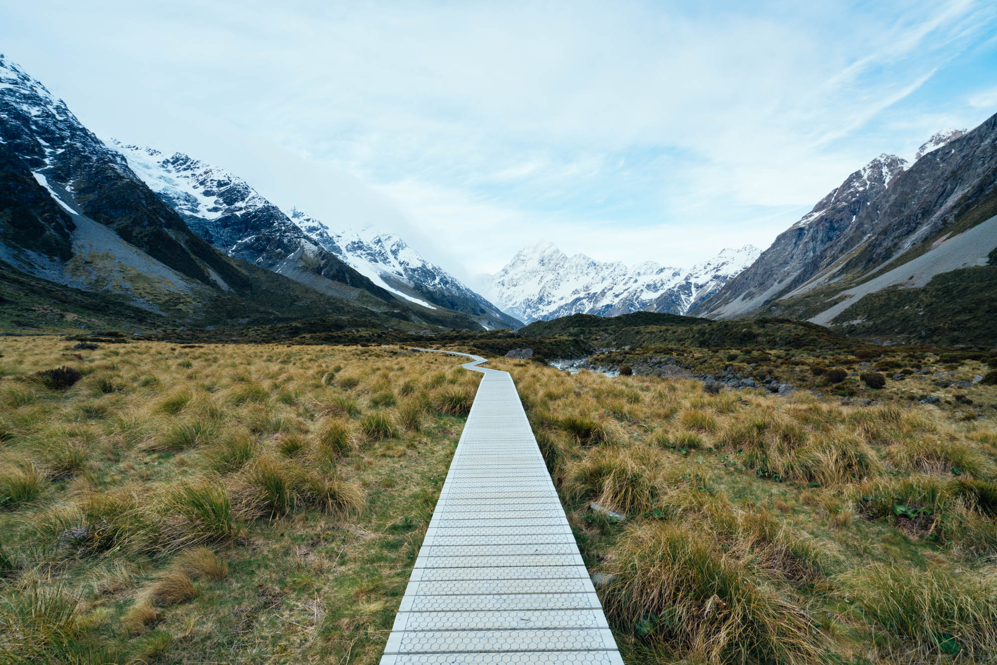Exploring the Hooker Valley at the Aoraki / Mount Cook National Park in New Zealand. I love spending time in nature to dream about where I am heading. Always looking forward.