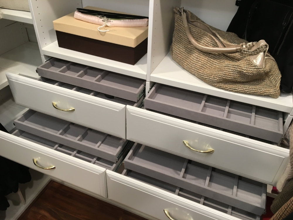 drawers-with-dividers.JPG